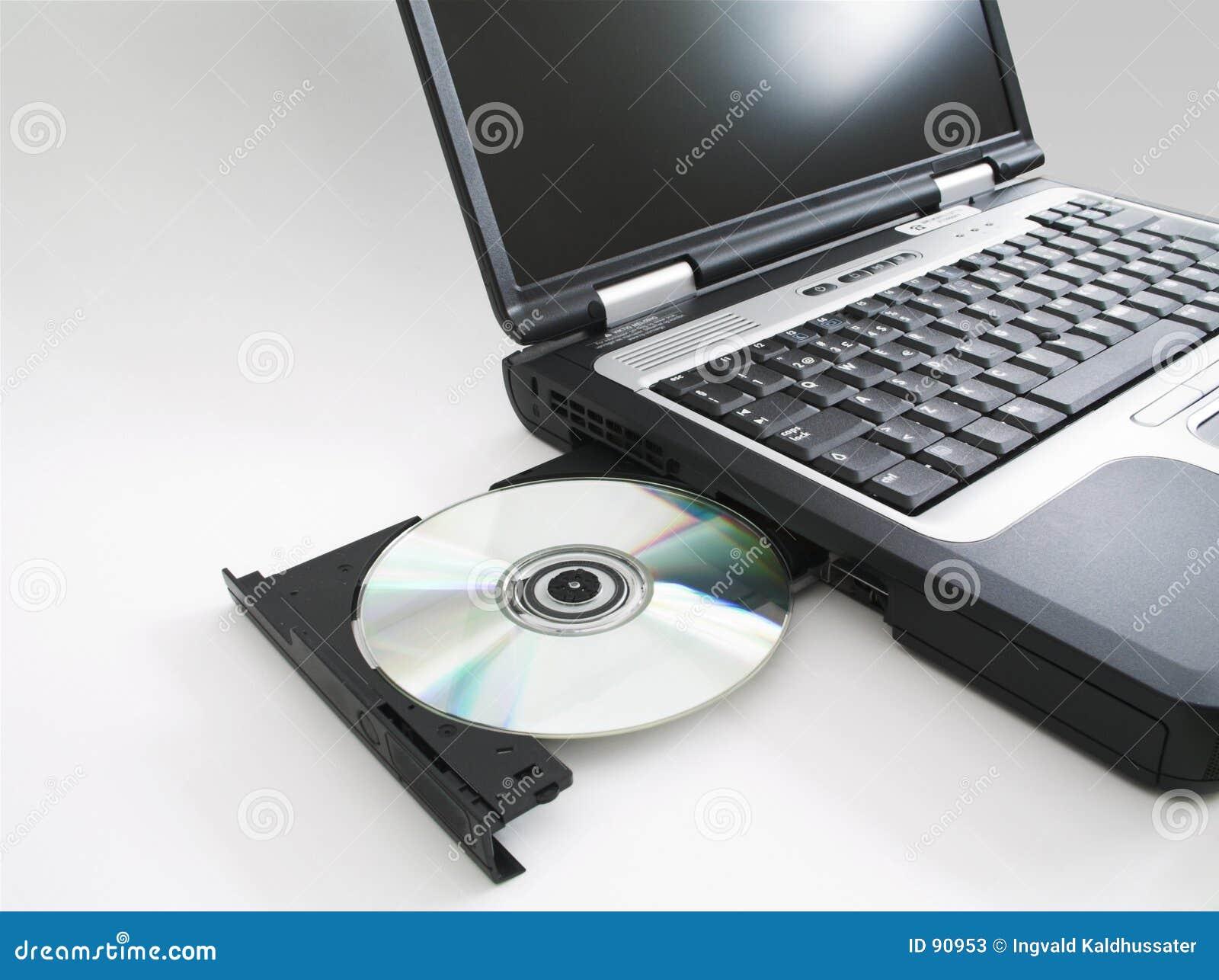 Cd i wyrzucał laptopa w
