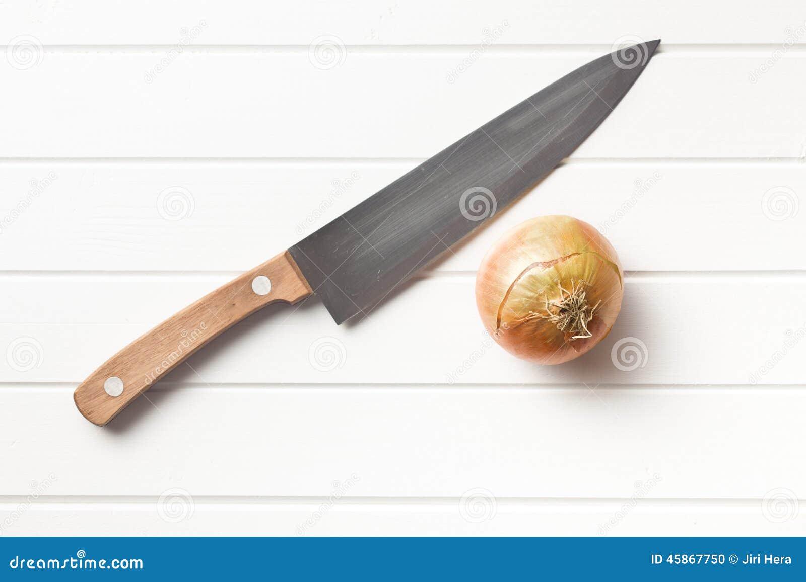 Cebolla y cuchillo