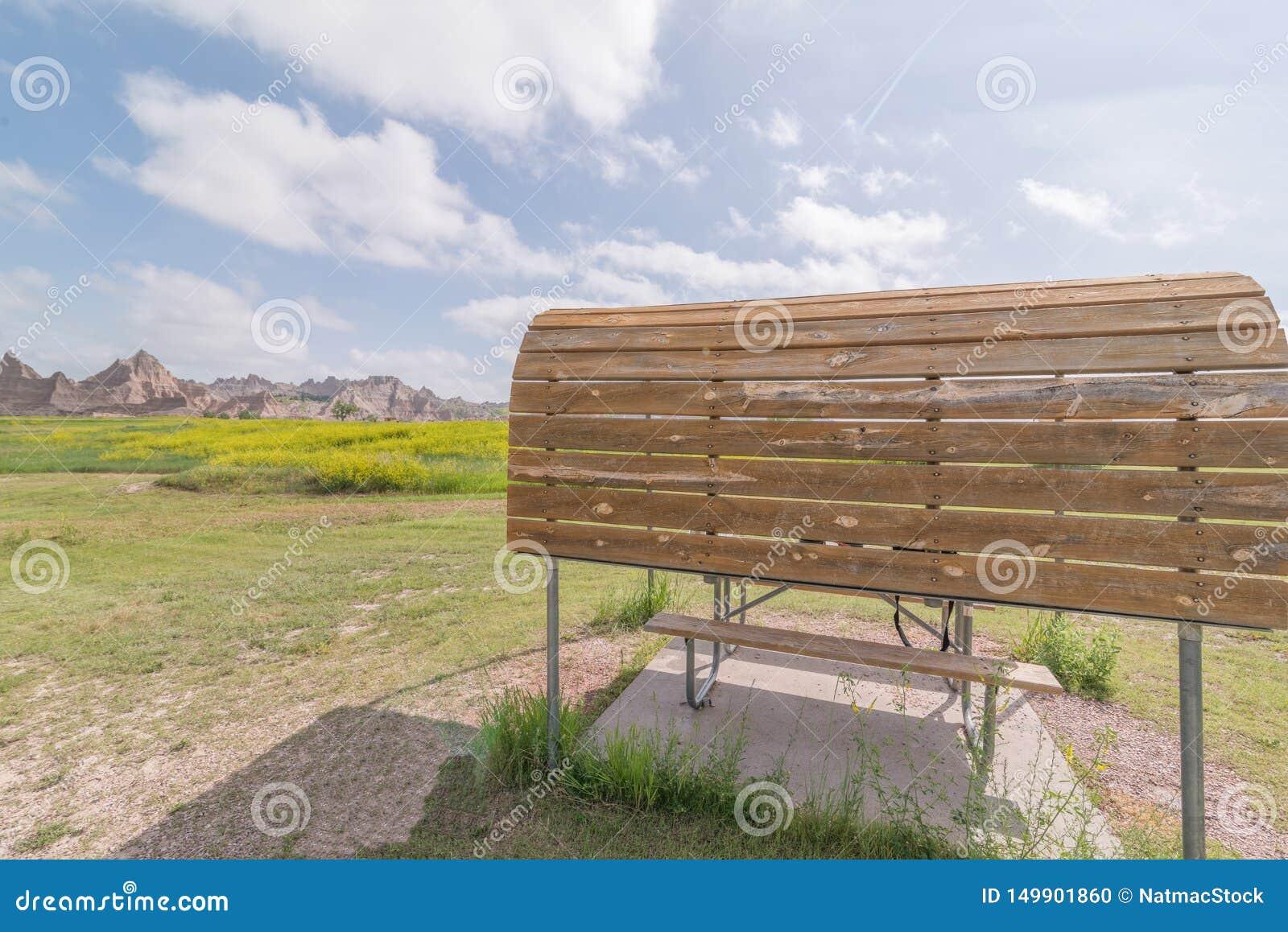 Cedar Pass Campground no parque nacional do ermo - carro que acampa, campistas, rv, barracas
