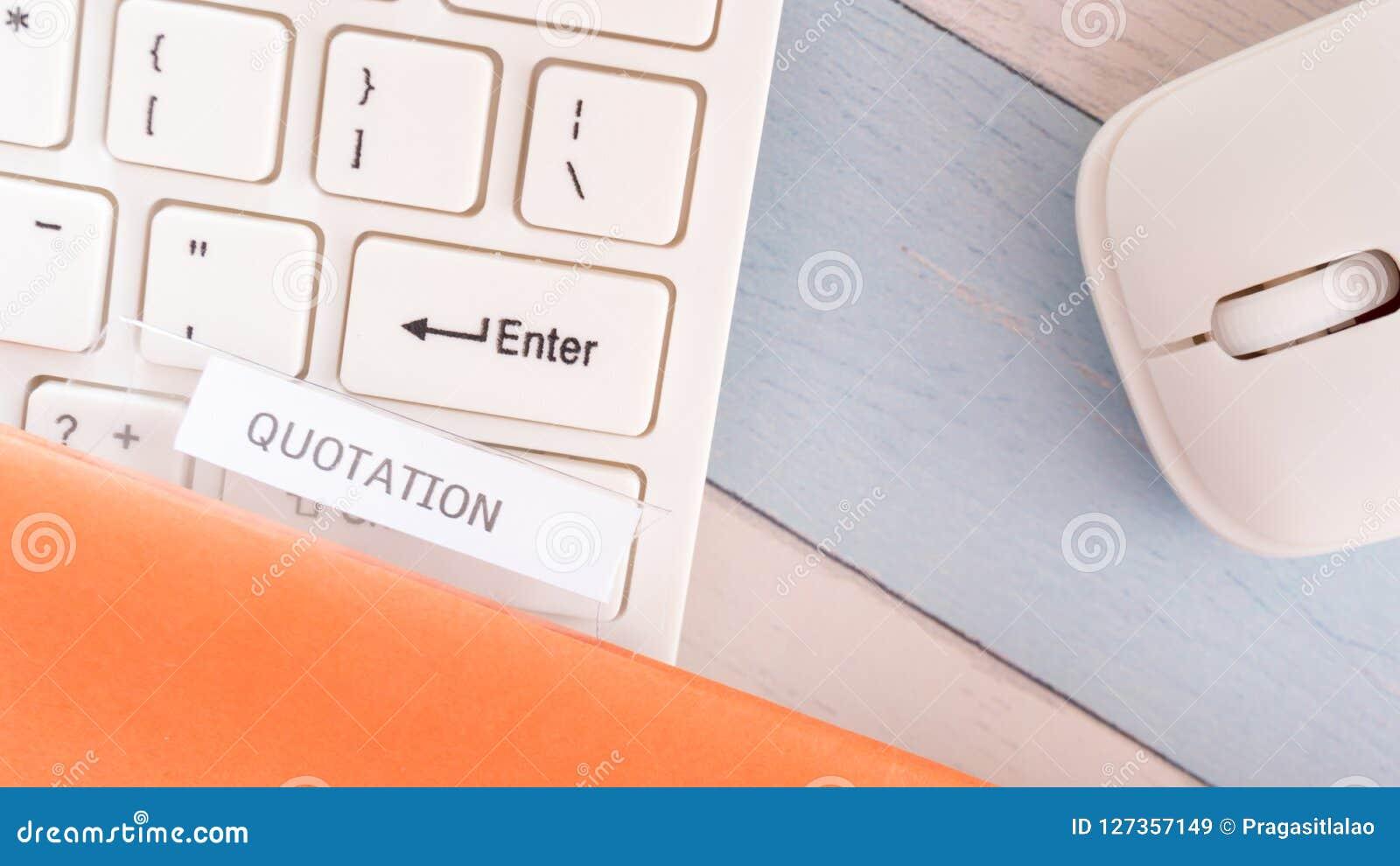 Ceduła biznesowy dokument na biurowym gabinecie
