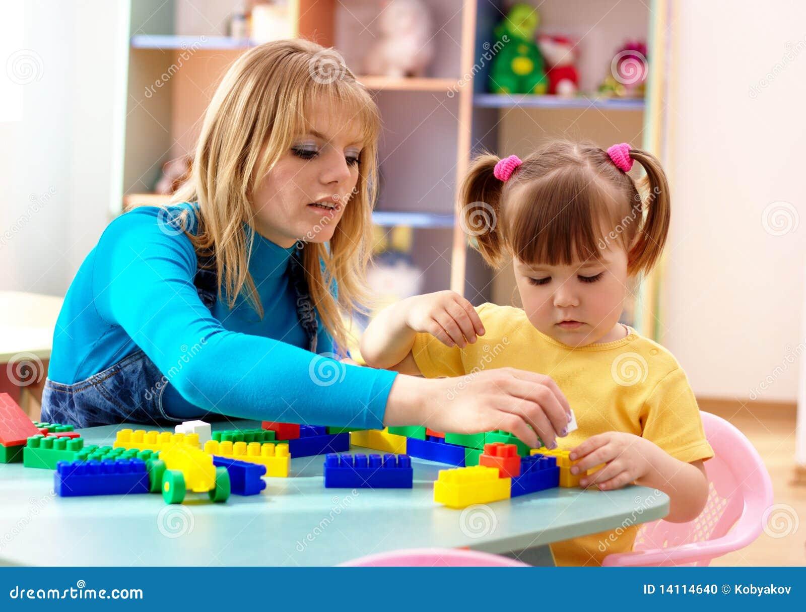 Cegły target2230_1_ sztuka preschooler nauczyciela