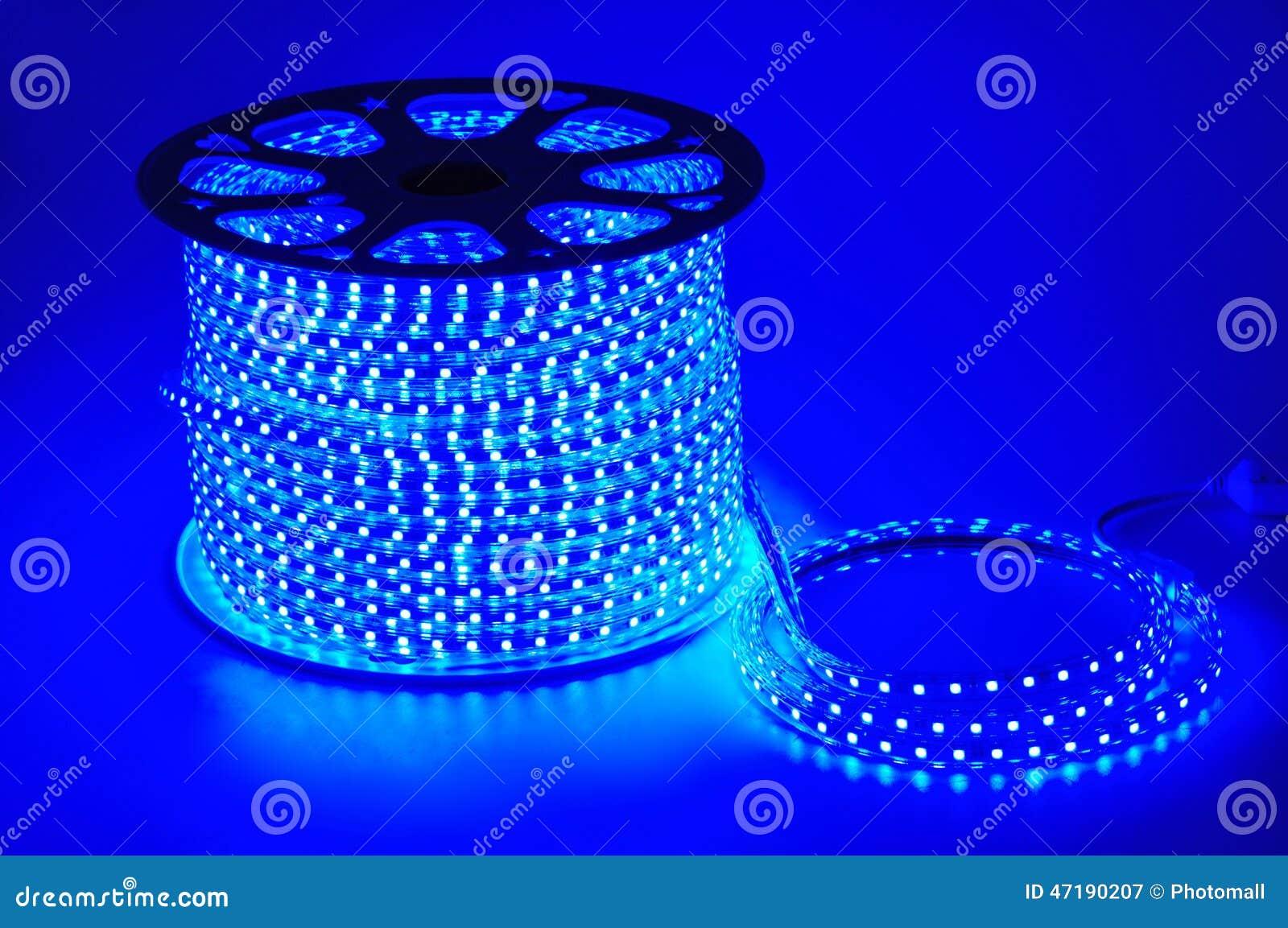 ceinture men e l g re bleue bande men e bandes imperm ables de lumi re du bleu led photo stock. Black Bedroom Furniture Sets. Home Design Ideas