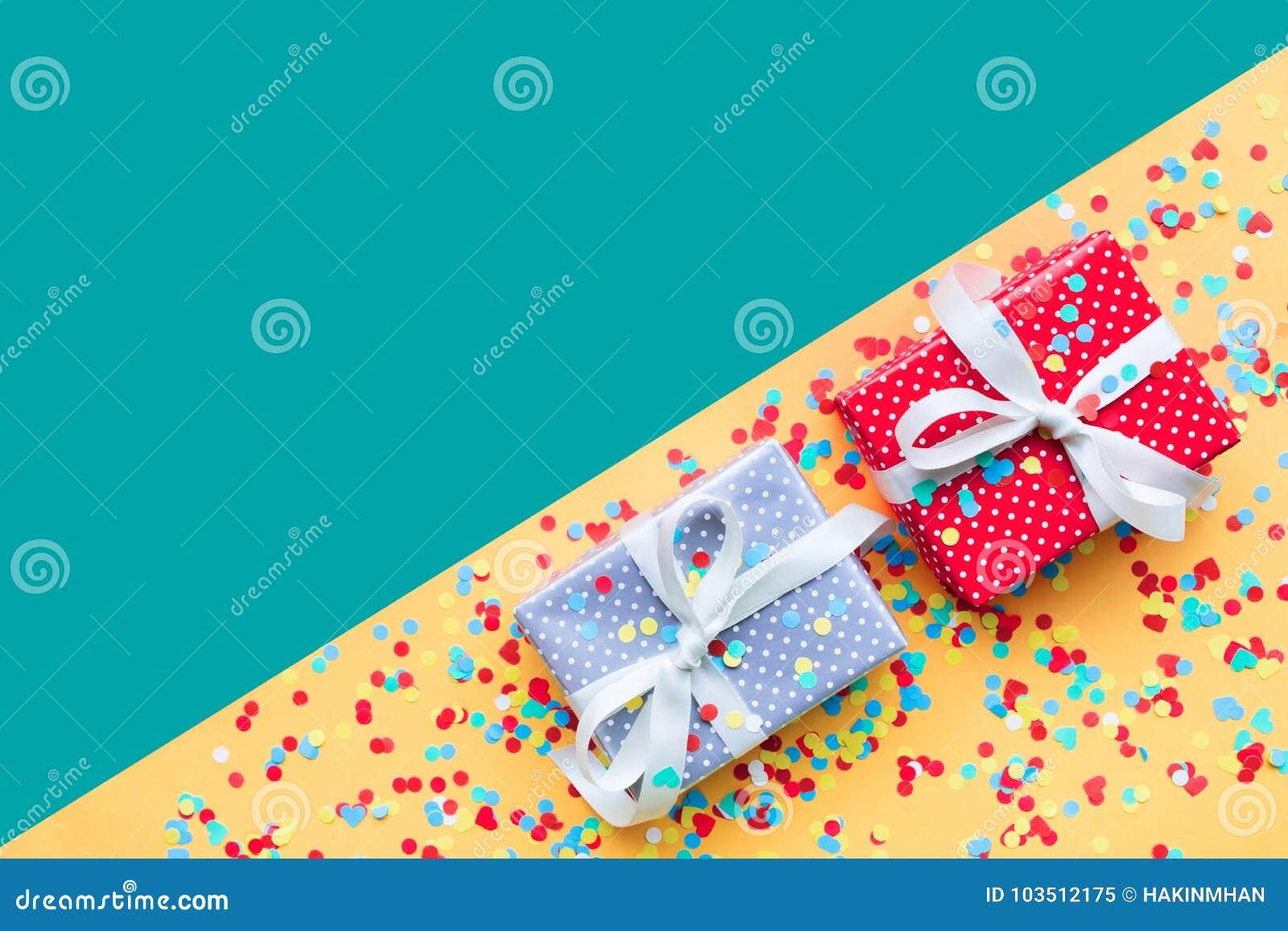 Celebração, ideias dos conceitos dos fundos do partido com presente colorido da caixa de presente