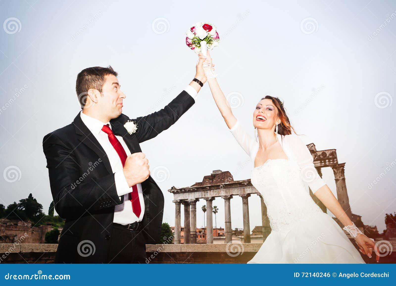 Celebrazione delle persone appena sposate