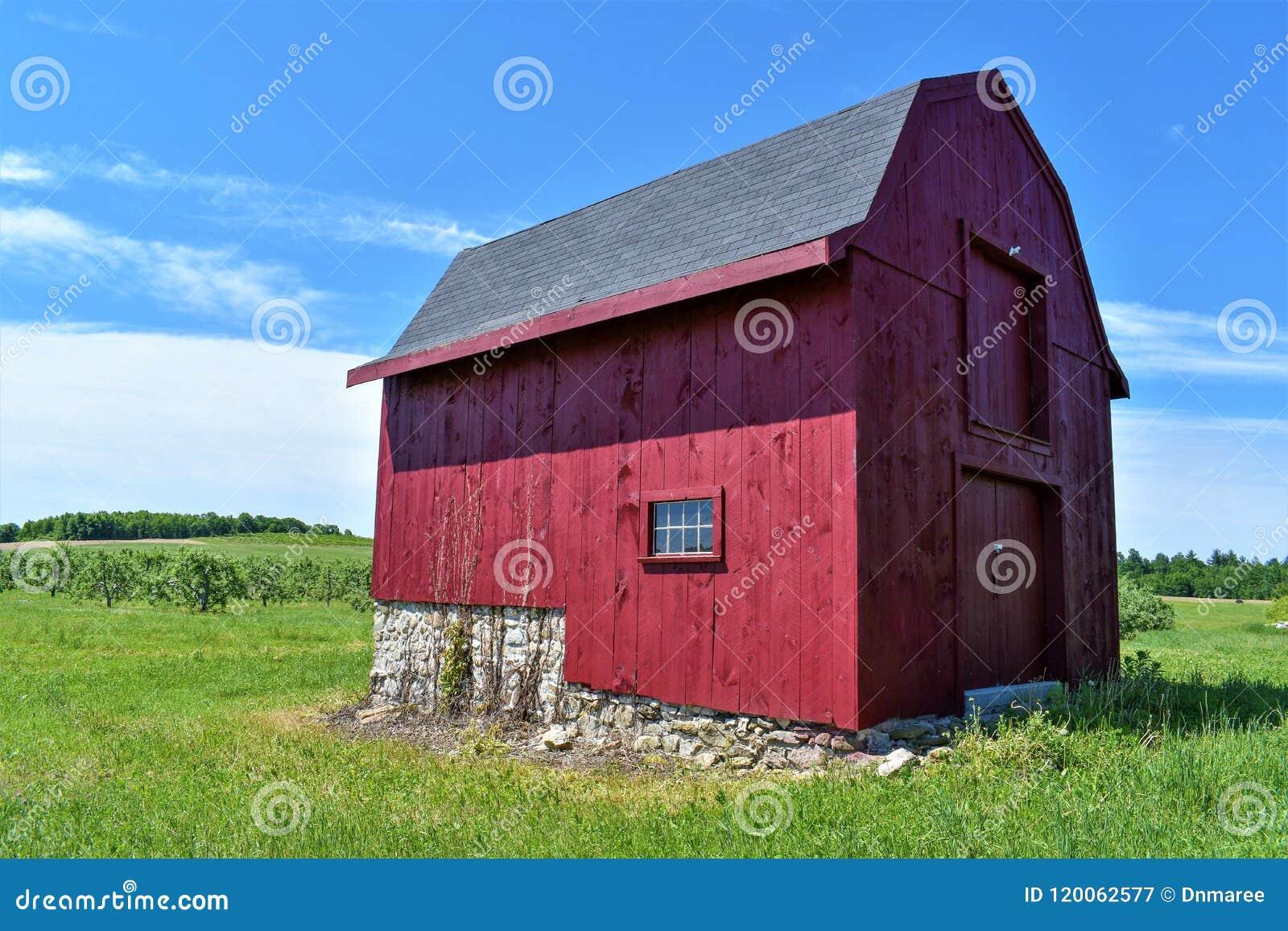 Celeiro vermelho de Nova Inglaterra New Hampshire, Estados Unidos E.U.
