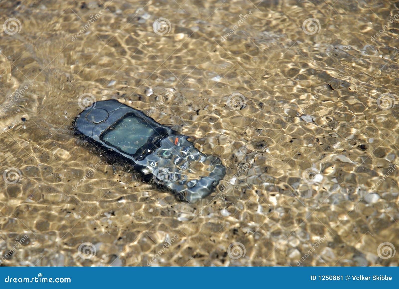 Cell-Phone sob a água