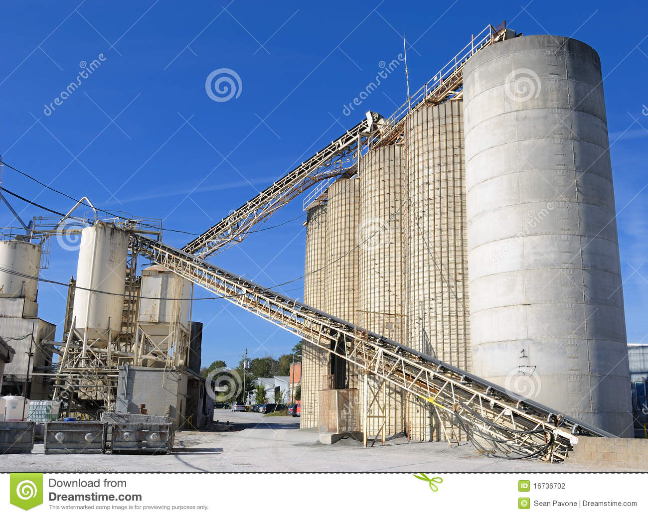 Idaho Cement Plants : Cement plant stock photo image of perspective