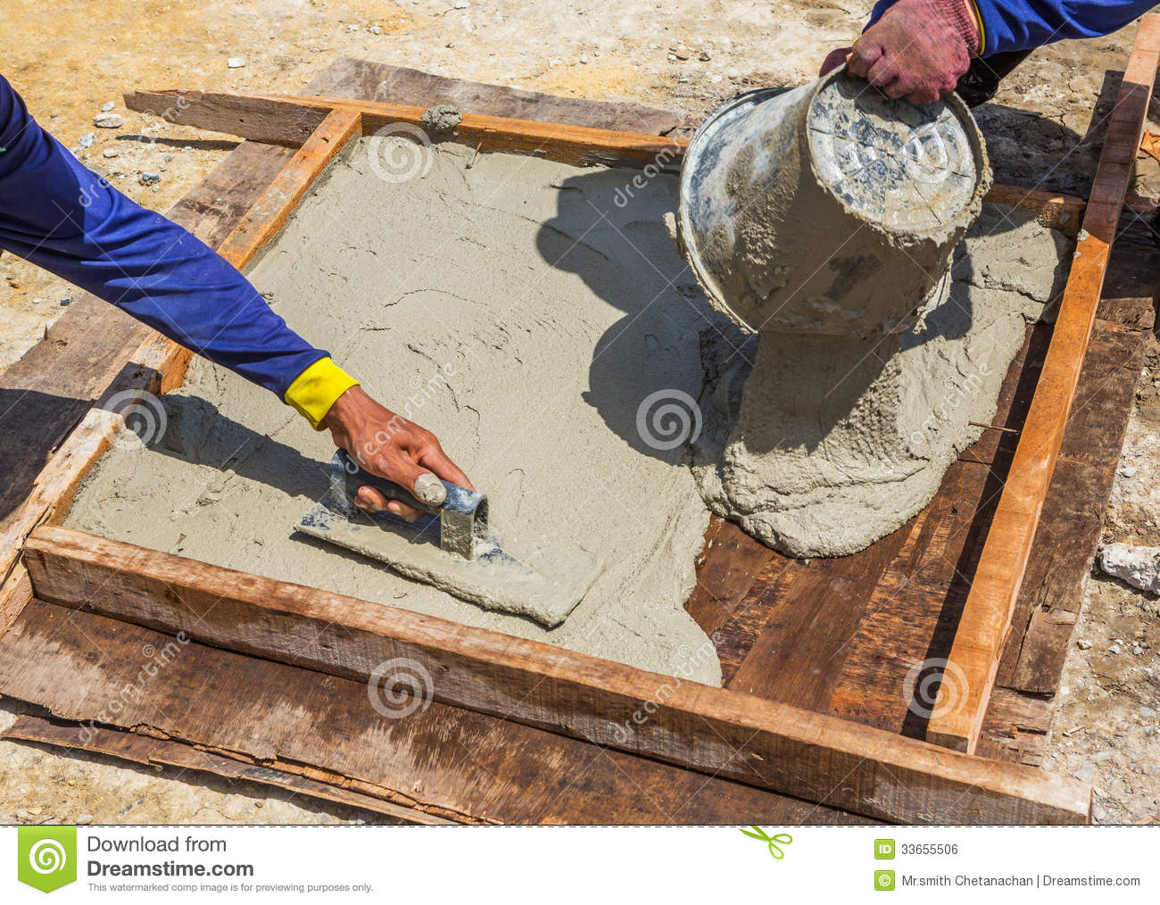Cement slab cast stock photo image of smoothing cloth for Adoquines para jardin