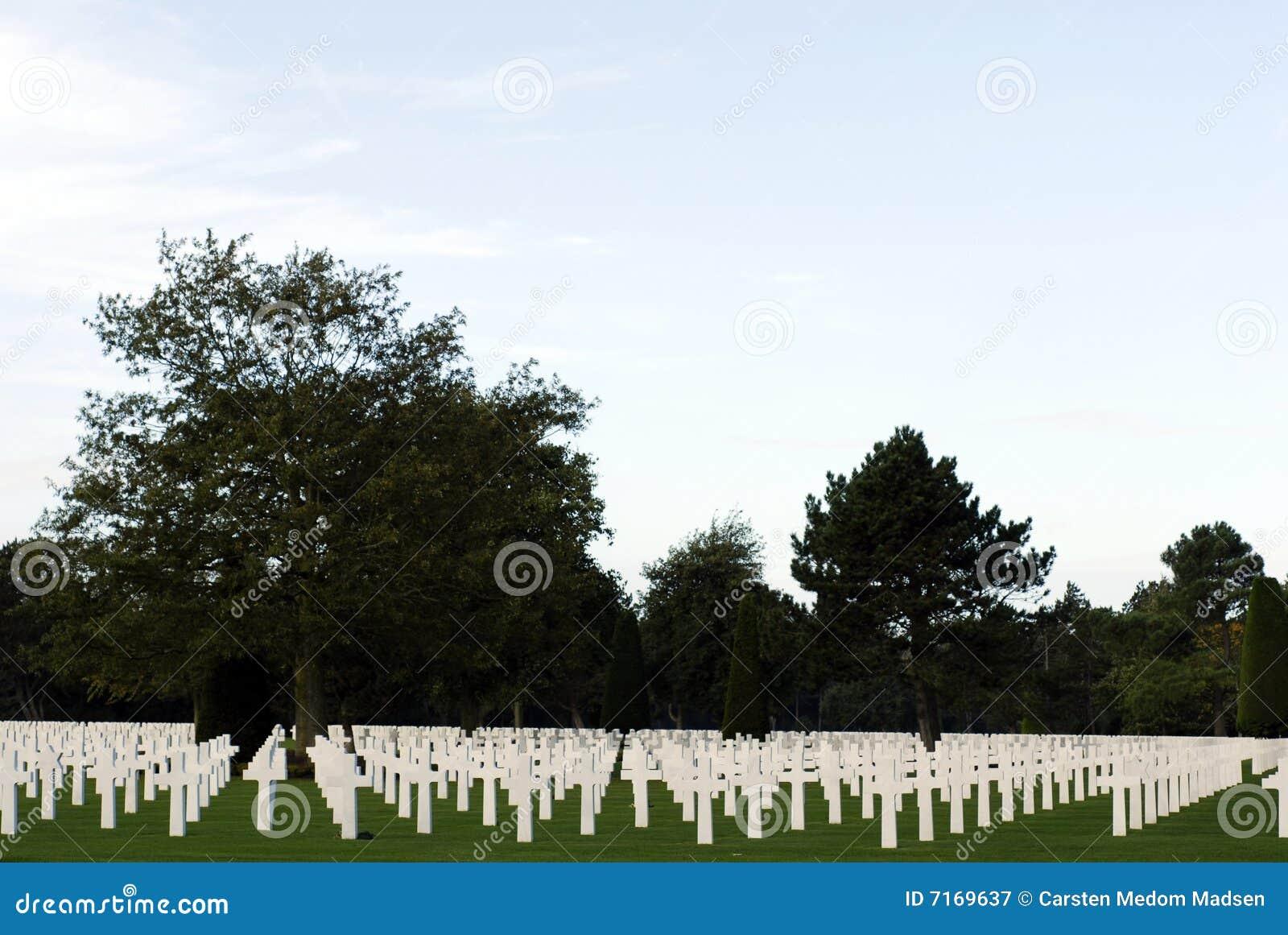 Cementerio en la playa de Omaha en Normandía