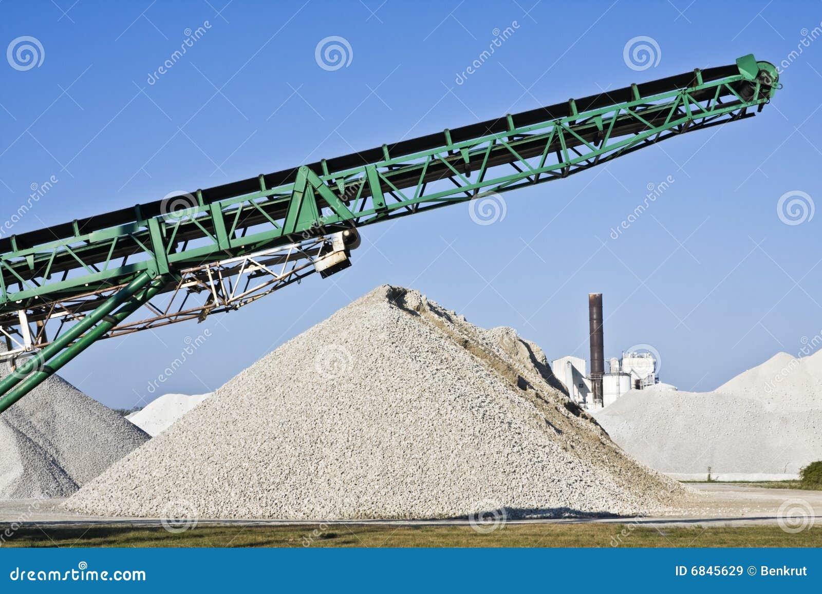 Cementowa fabryczna praca