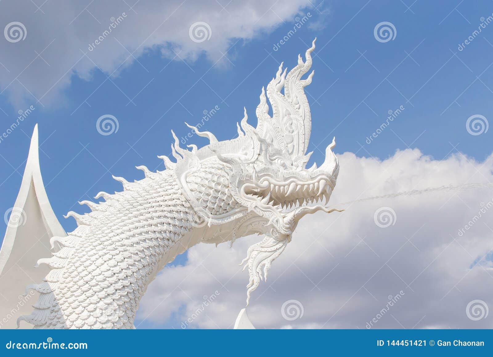 Cementowy formierstwo, handmade praca, rzemieślnik, rzeźba, wąż