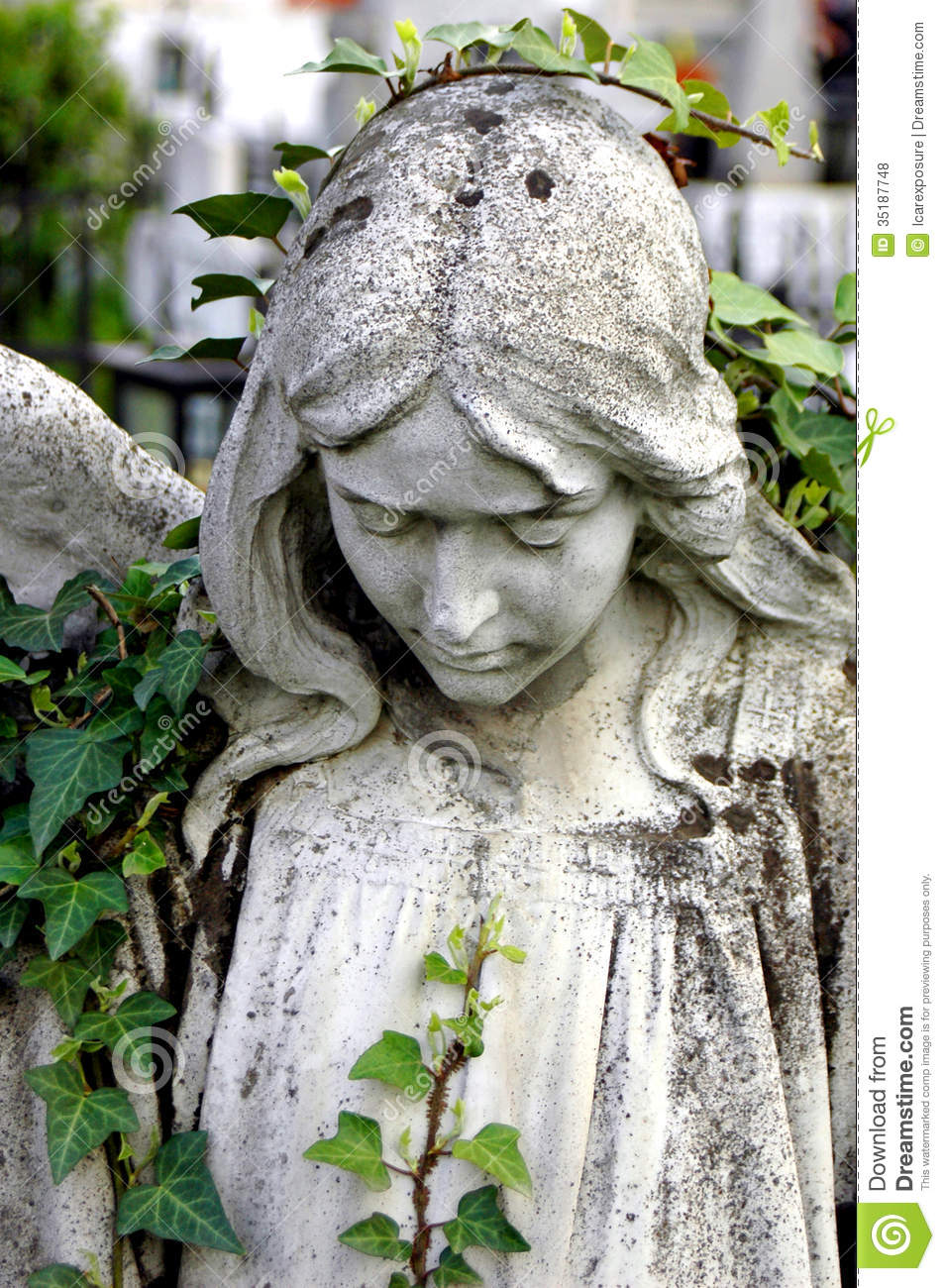 Cemetery Statue Of An Angel Royalty Free Stock Photos - Image ...