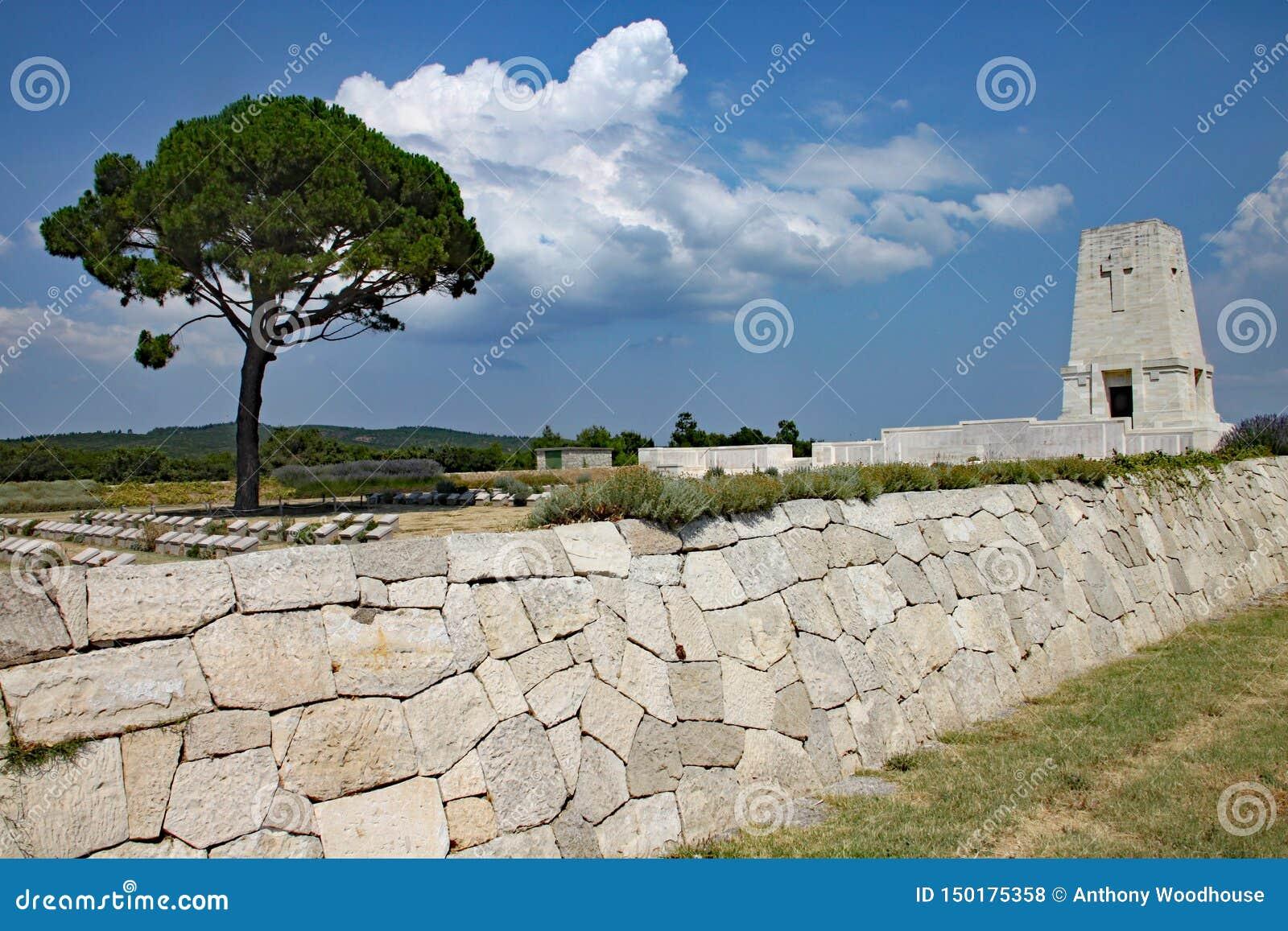 Cemitério solitário do pinho em Turquia, comemorando as tropas de Anzac do th que morreram na batalha de Gallipoli