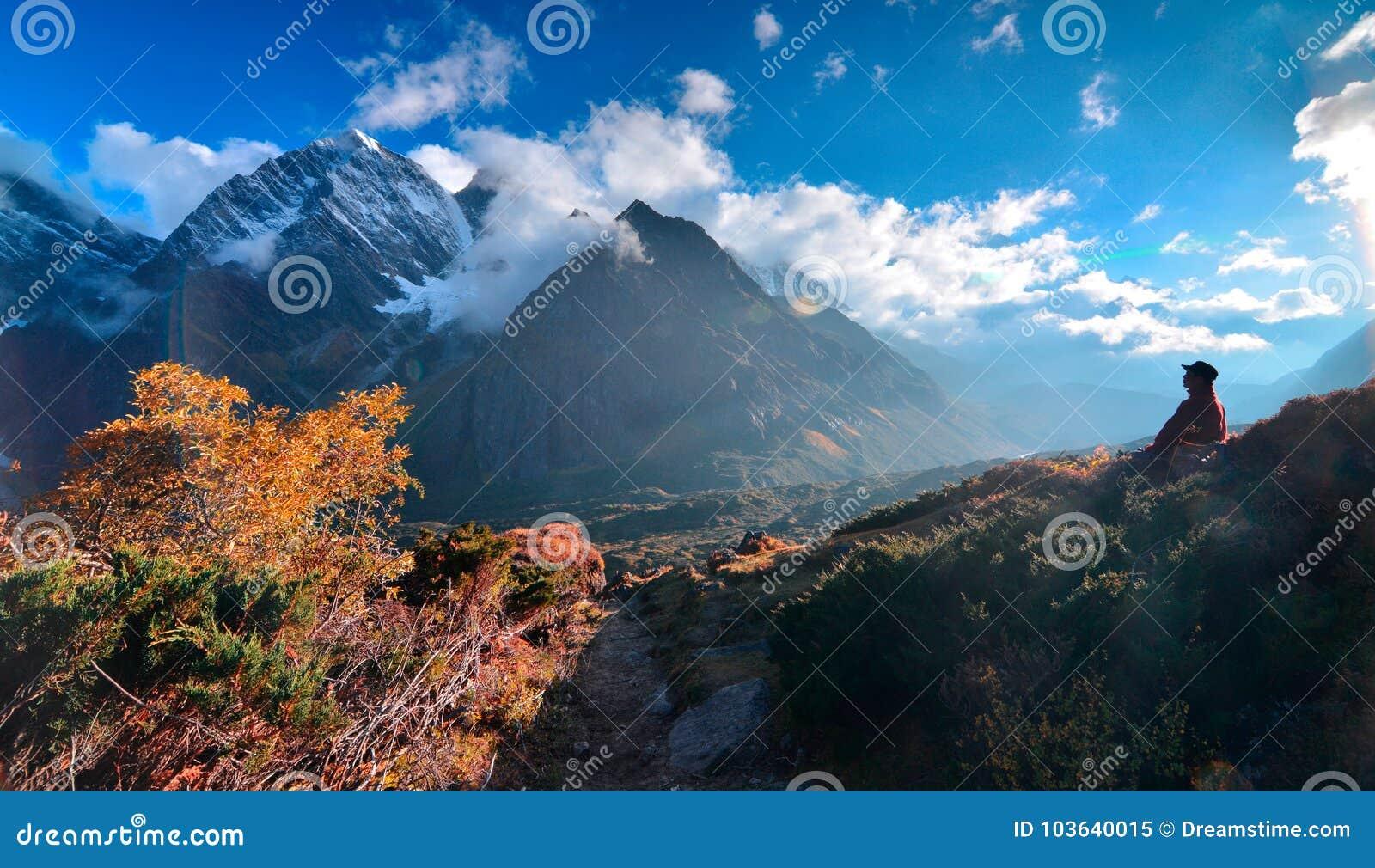 Cenário do leste da inclinação de Everest