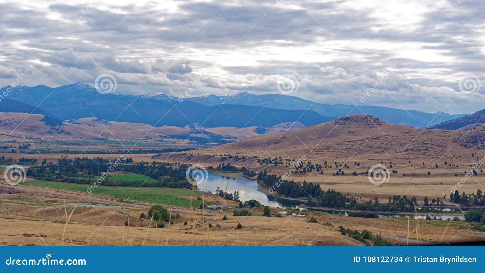 Cenário em Montana ocidental