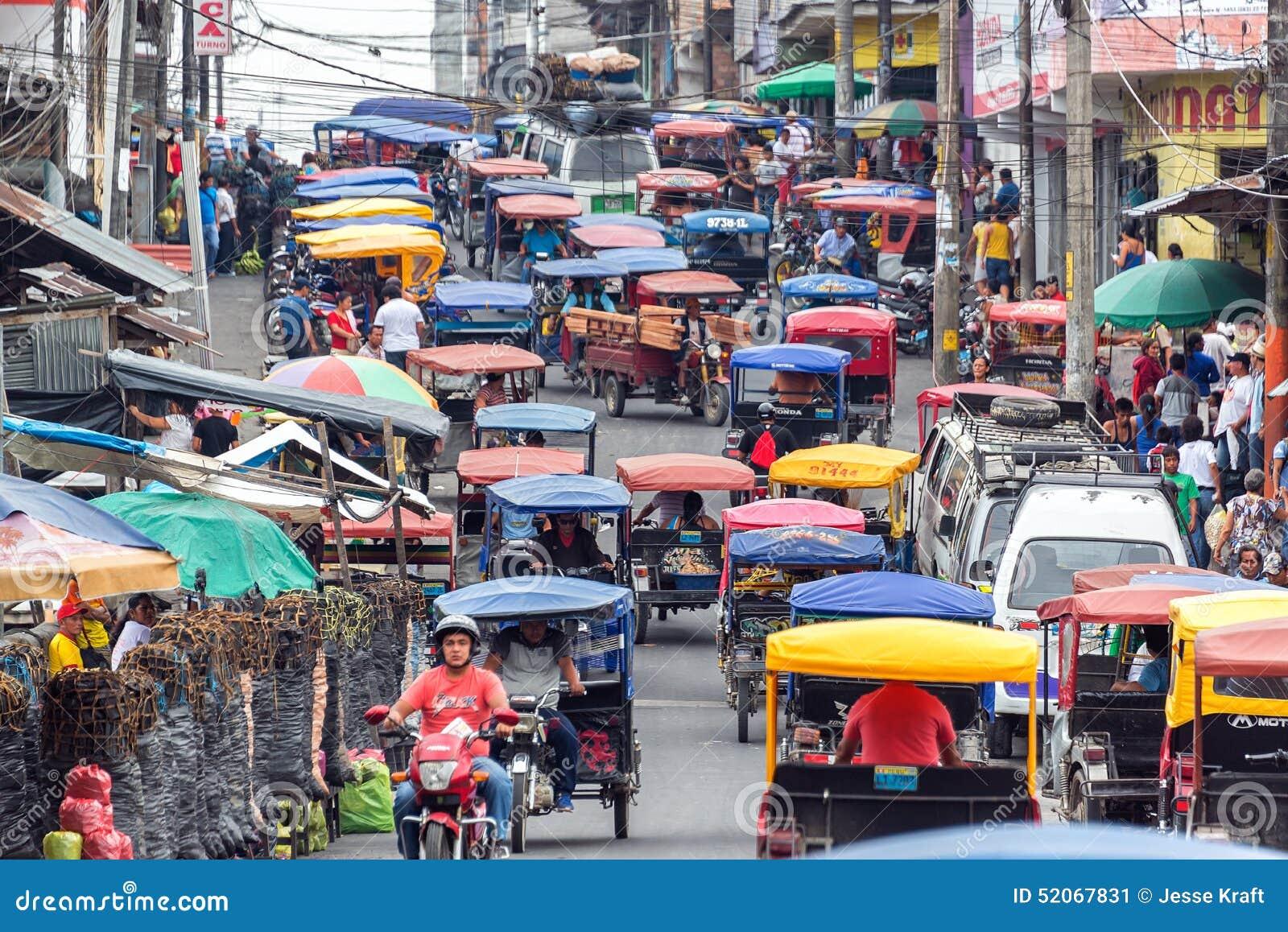 Cena da rua de Iquitos