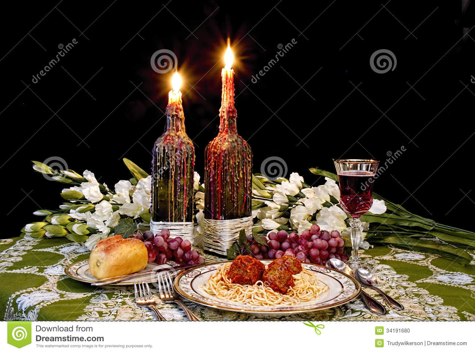 Cena italiana rom ntica foto de archivo imagen de fruta 34191680 - Cena romantica con velas ...