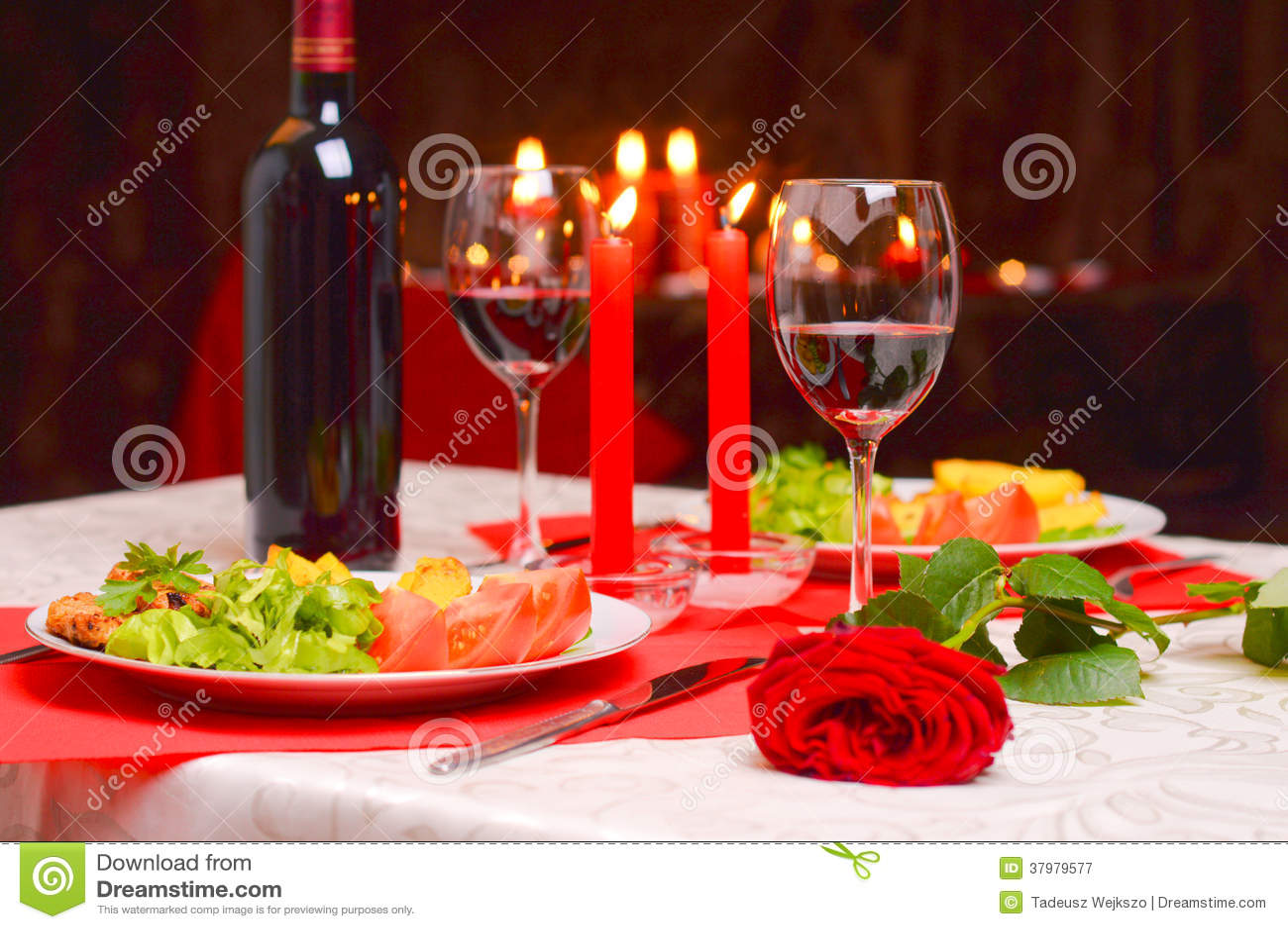 Cena rom ntica con las velas imagen de archivo imagen - Cena romantica in casa ...