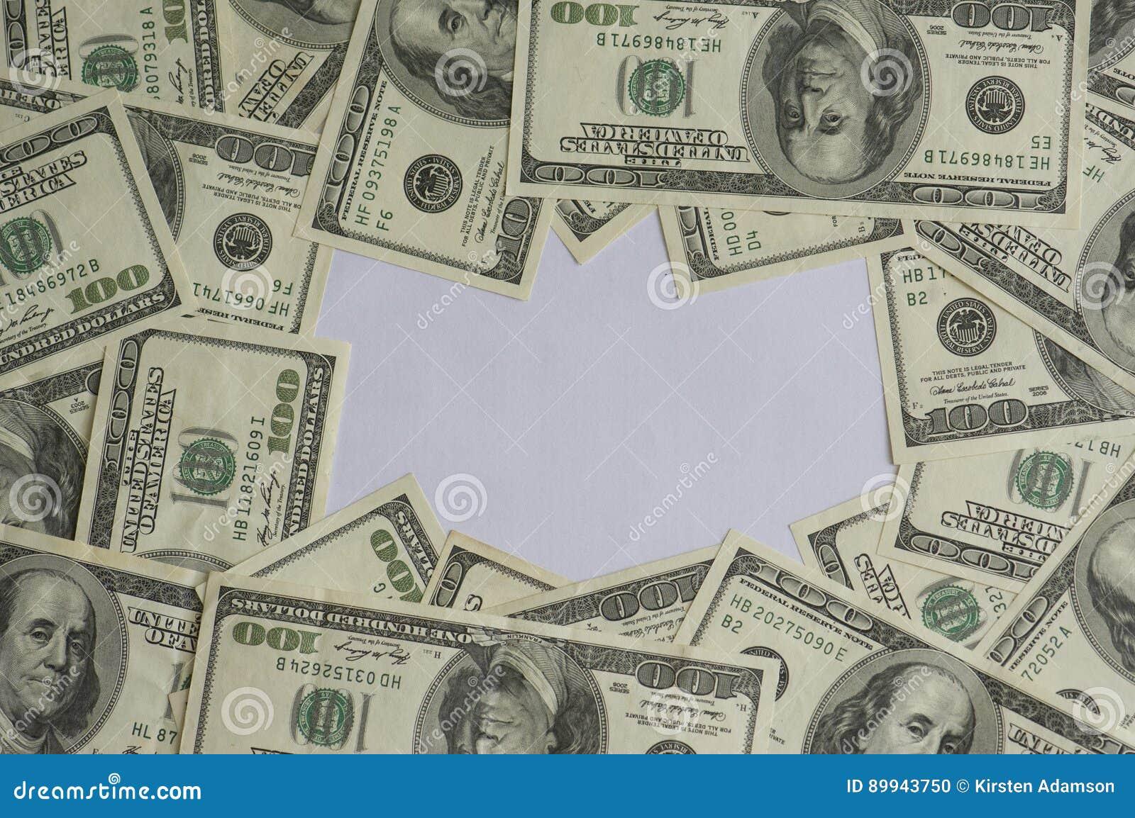 Centenares de bastidor de los dólares