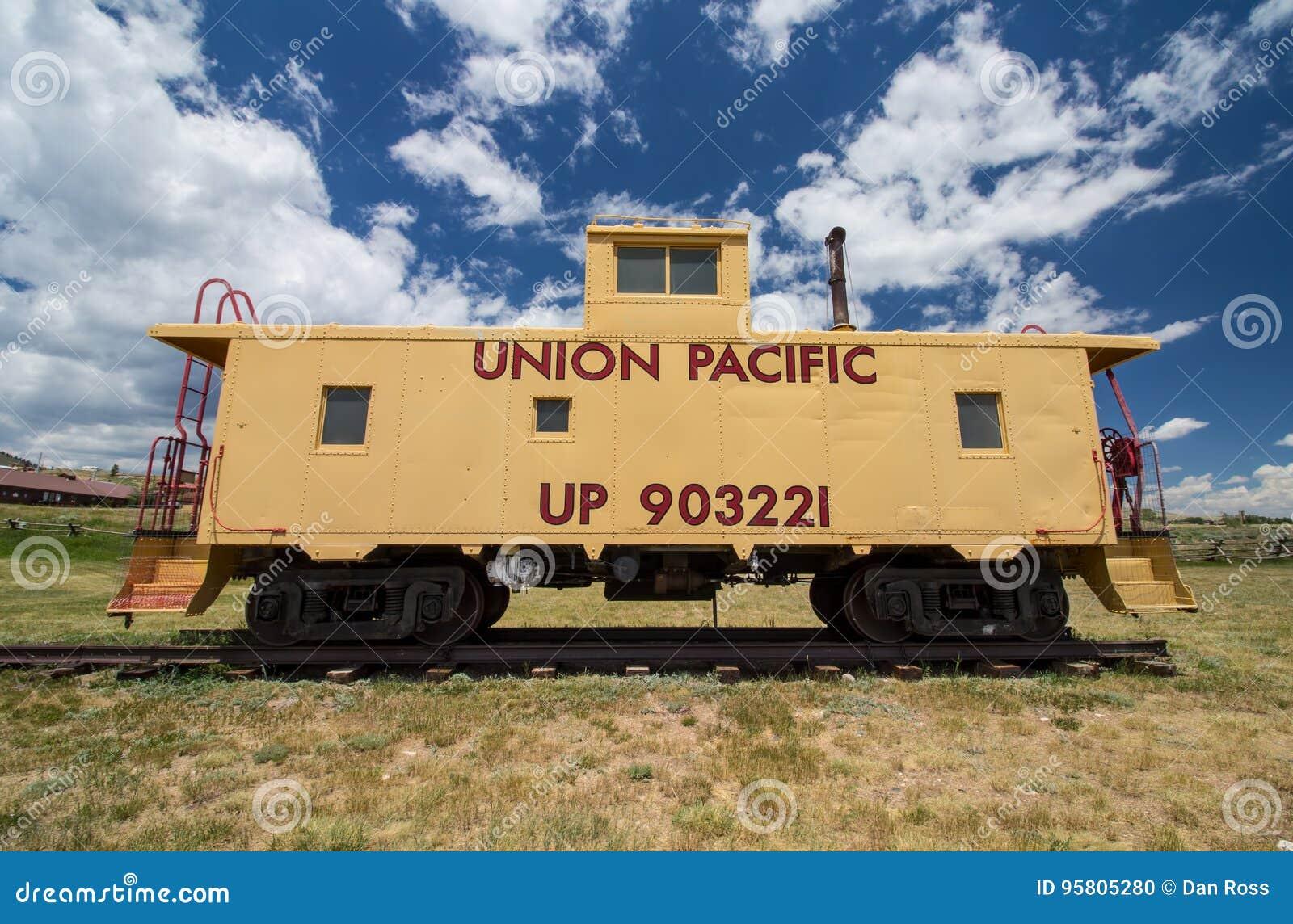CENTENNIAL, ВАЙОМИНГ - 8-ОЕ ИЮЛЯ 2017: Камбуз вагона старого соединения Тихий океан на дисплее на музее в Centennial, WY