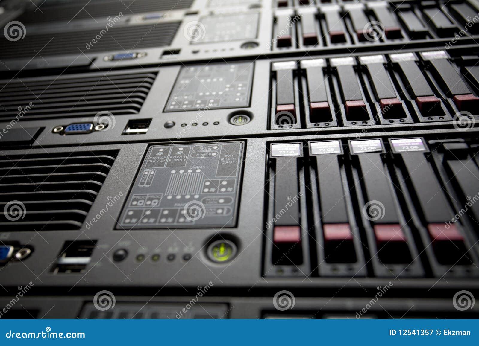Center data kör den hårda serverbunten