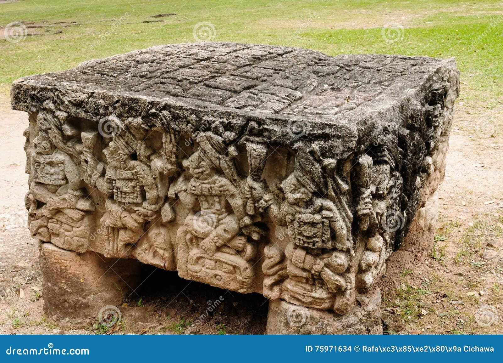 mayan sacrifice table - 612×406