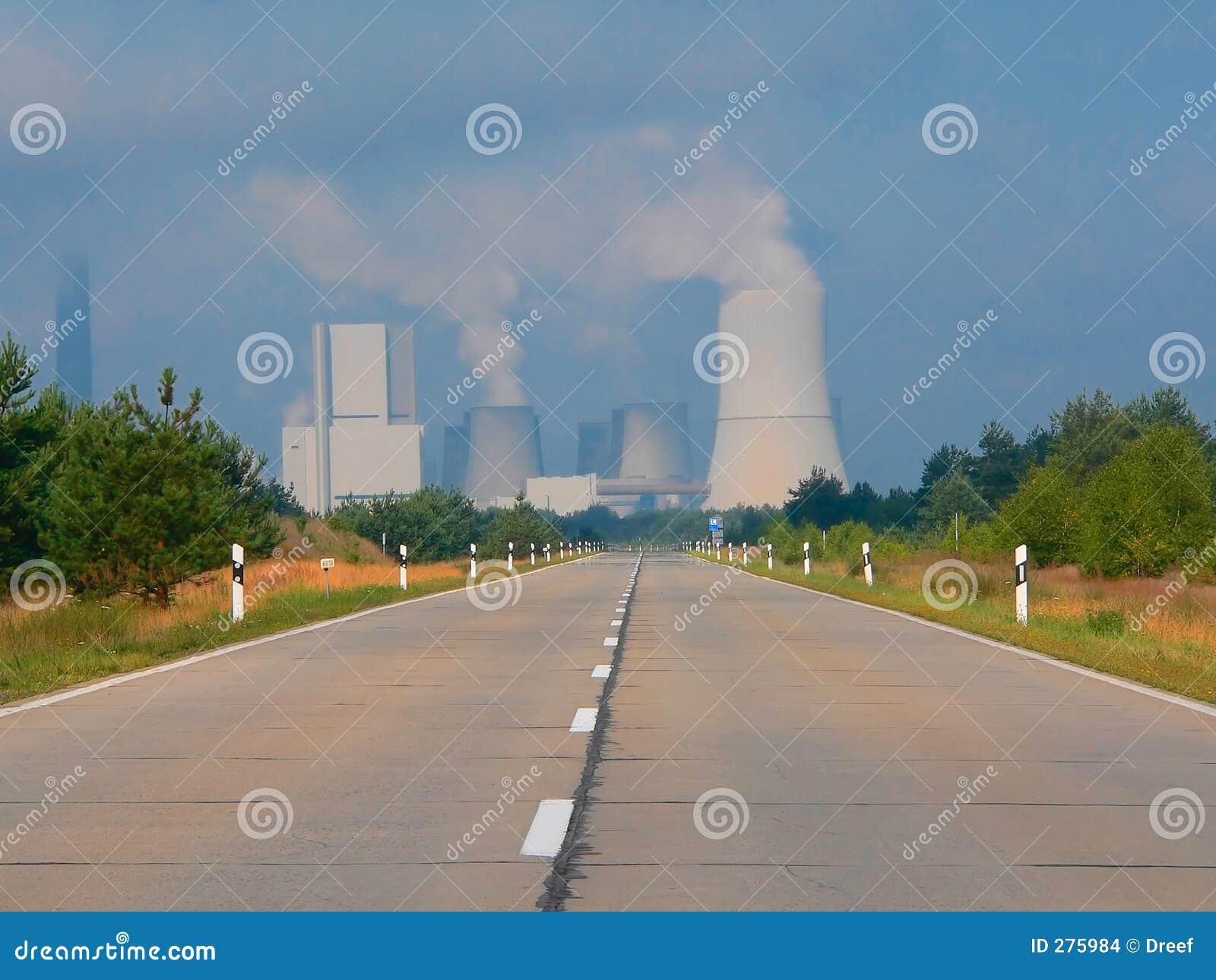 Central eléctrica ardiente del carbón