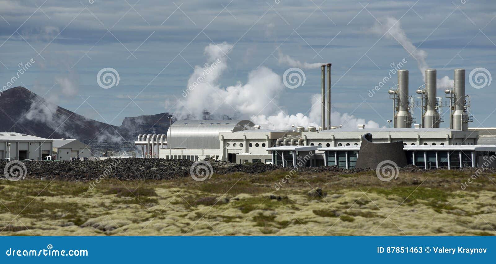 Central eléctrica Geothermal em Islândia