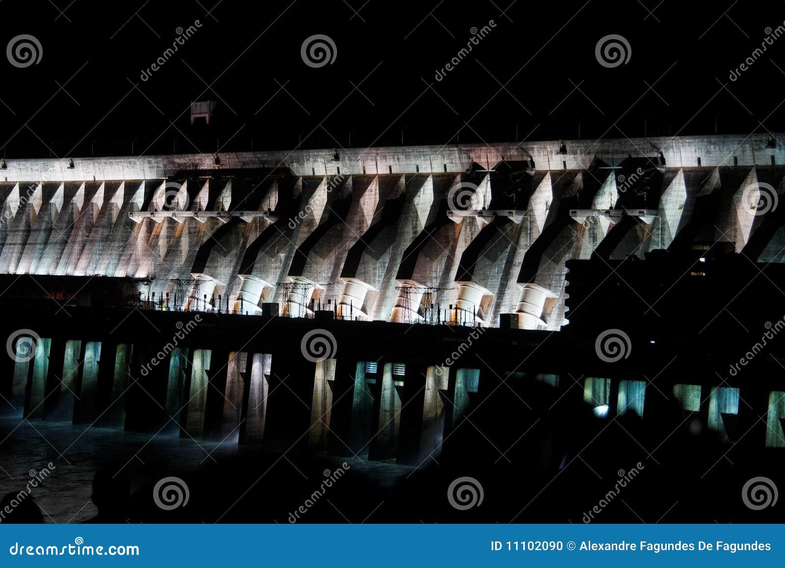 Central hidroeléctrico de Itaipu