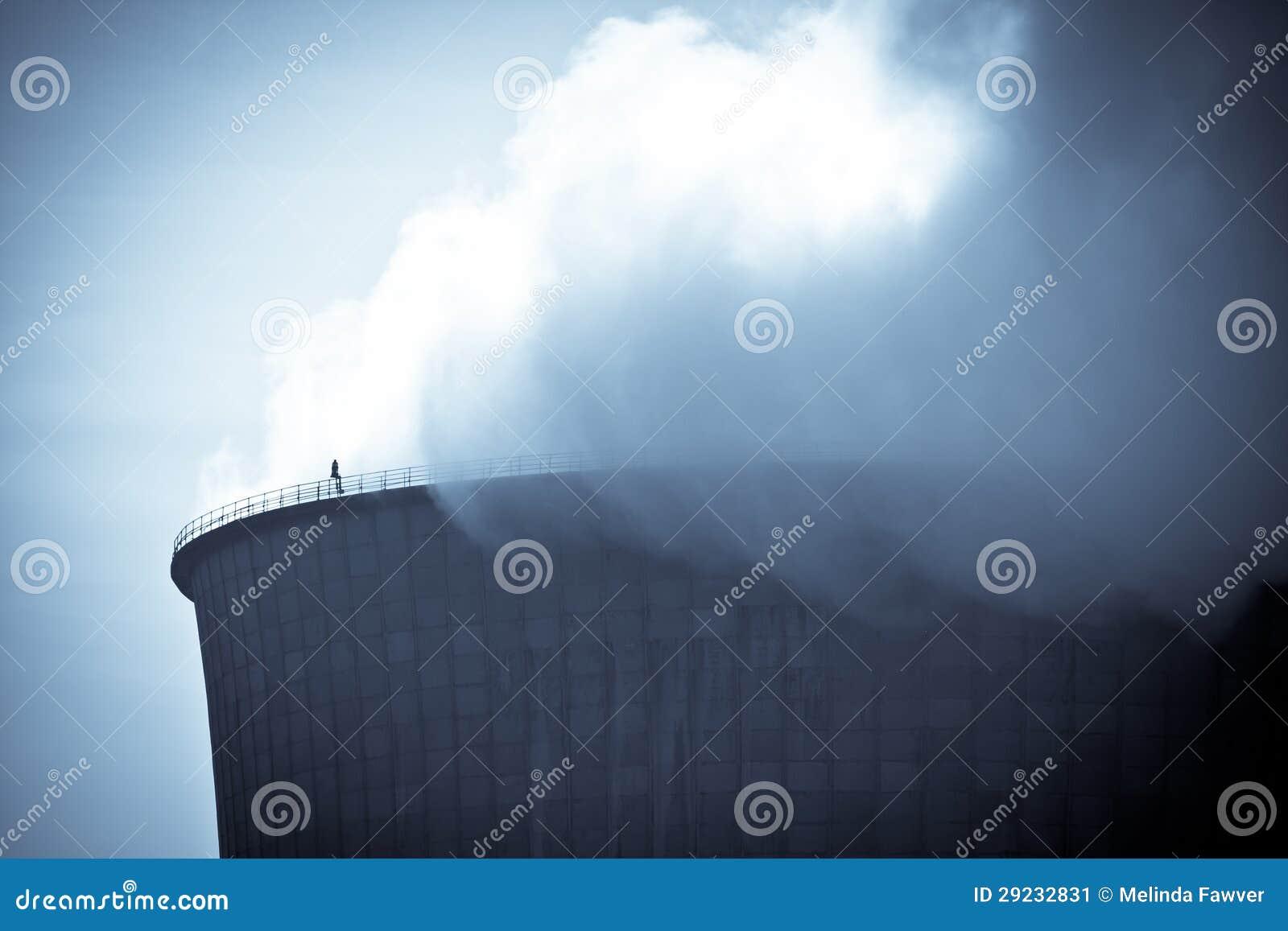 Download Central nuclear imagem de stock. Imagem de condensação - 29232831