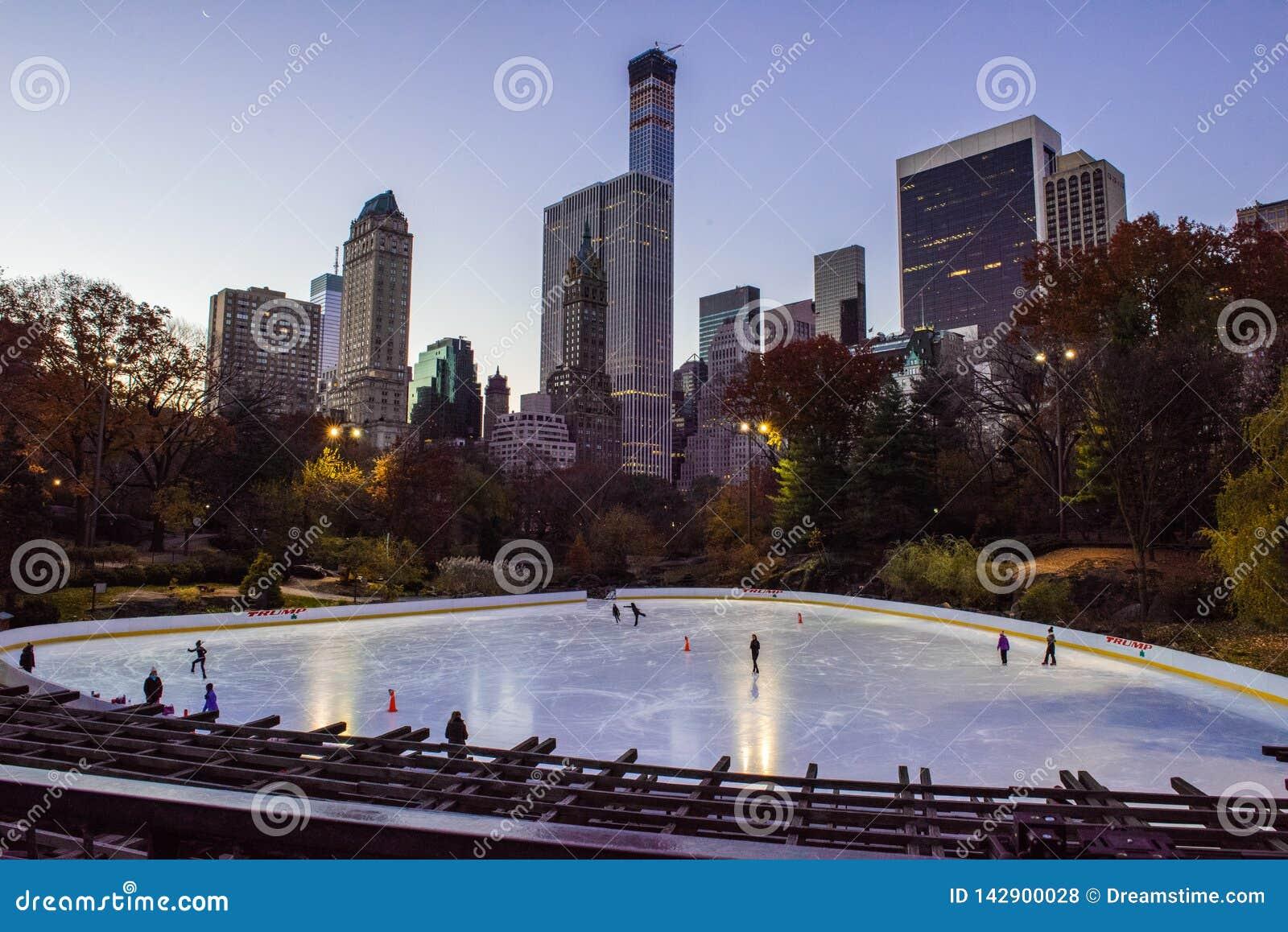Central Park-Eisbahn bei Sonnenaufgang, Manhattan