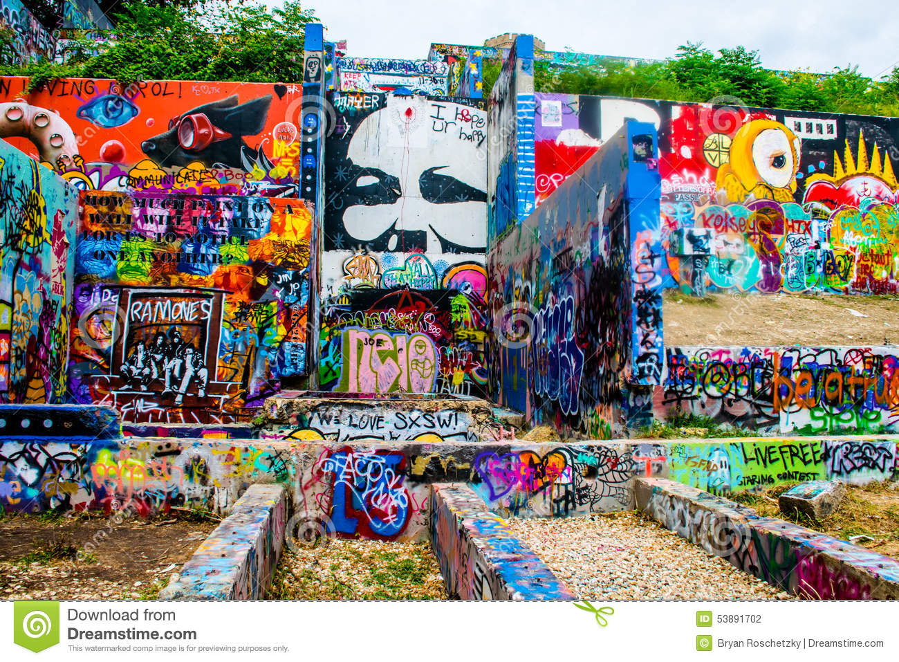 Austin texas graffiti wall longhorn blue bear abstract art hope outdoor art gallery but the locals call it capital hill graffiti wall