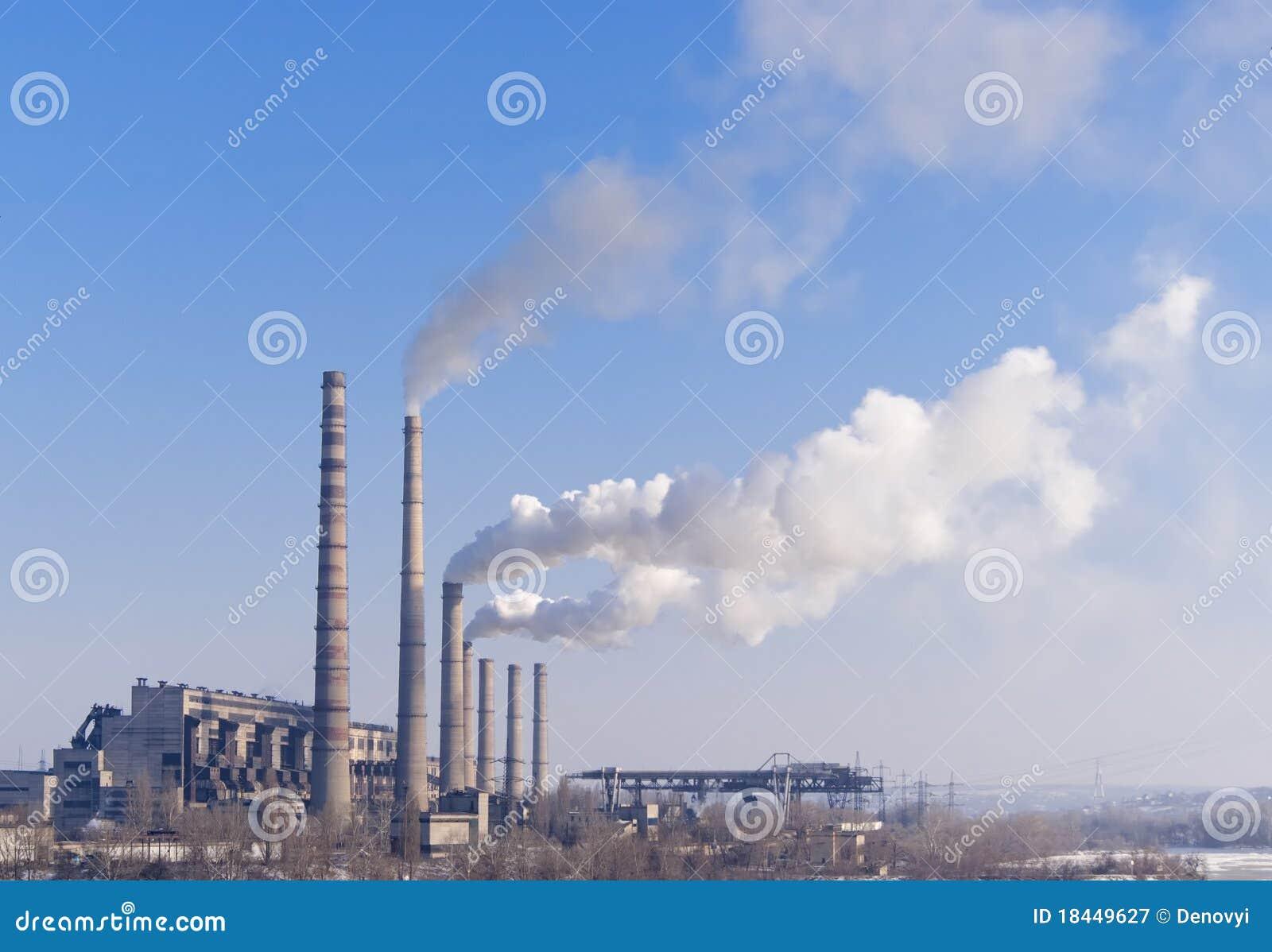 Centrale électrique hydro-électrique et à charbon