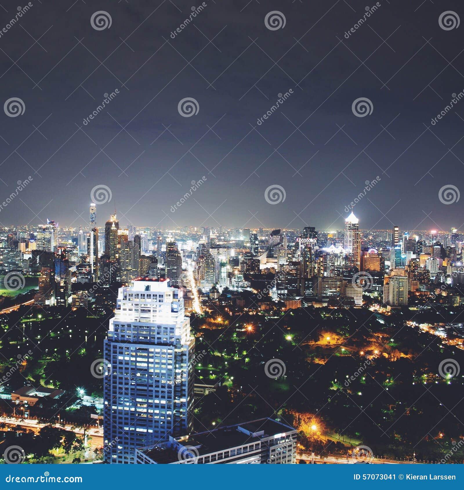 Centrale Wereld (CTW) de beroemde winkelcomplexxen binnen de stad in van Bangkok