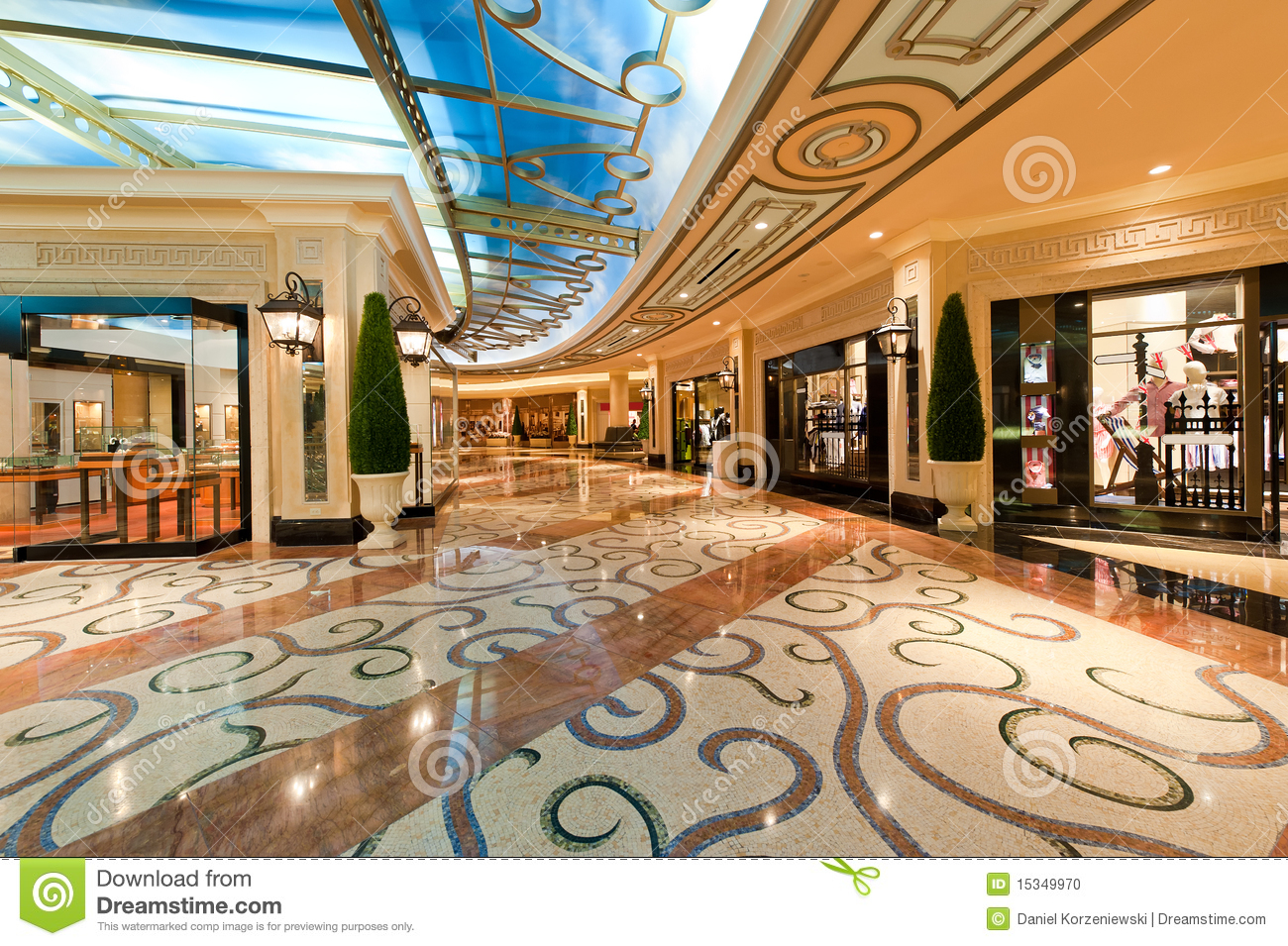 Centre commercial de luxe moderne photo stock image 15349970 - Centre commercial des chanteraines ...