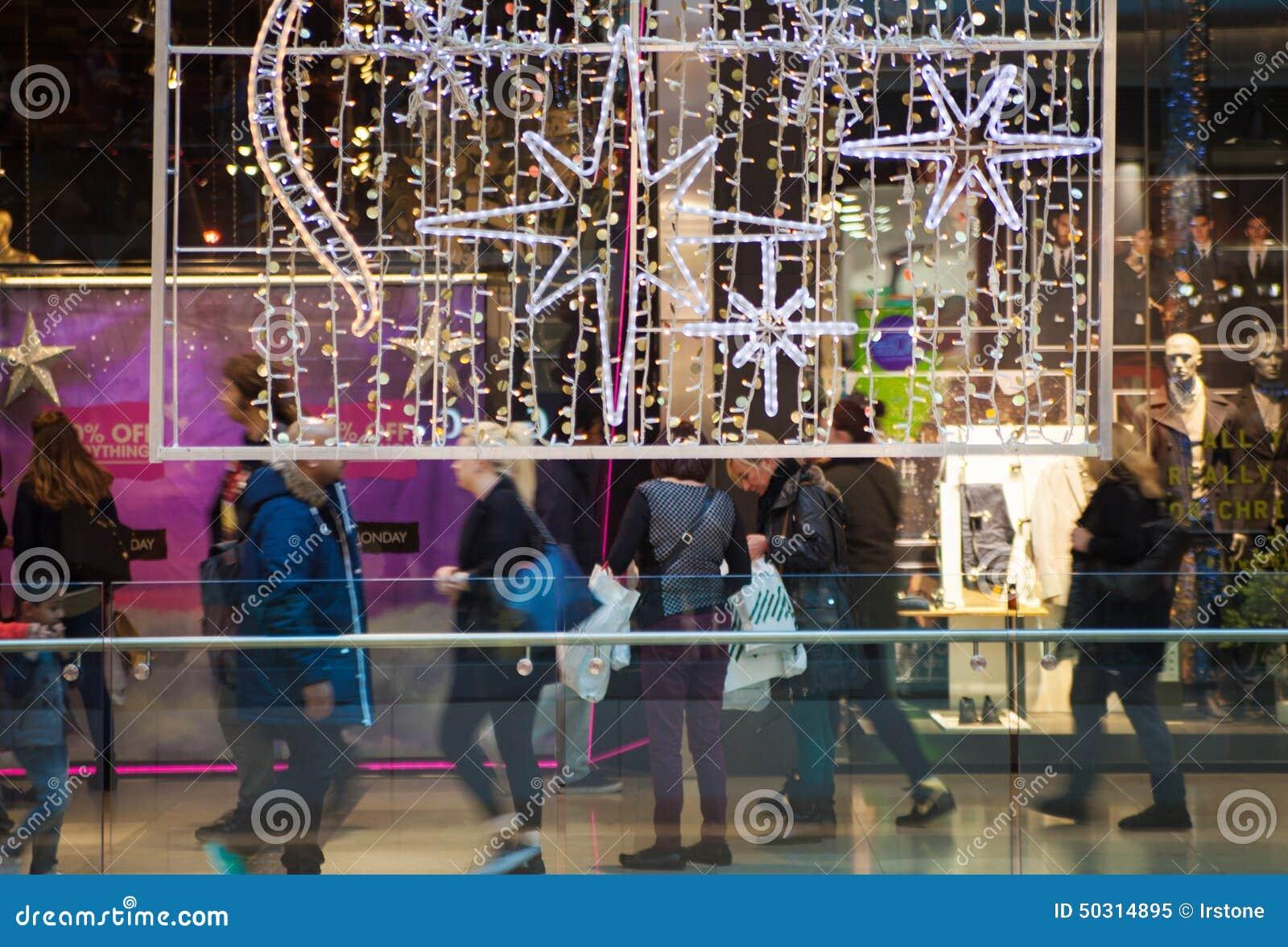 centre commercial de village de stratford londres image ditorial image 50314895. Black Bedroom Furniture Sets. Home Design Ideas