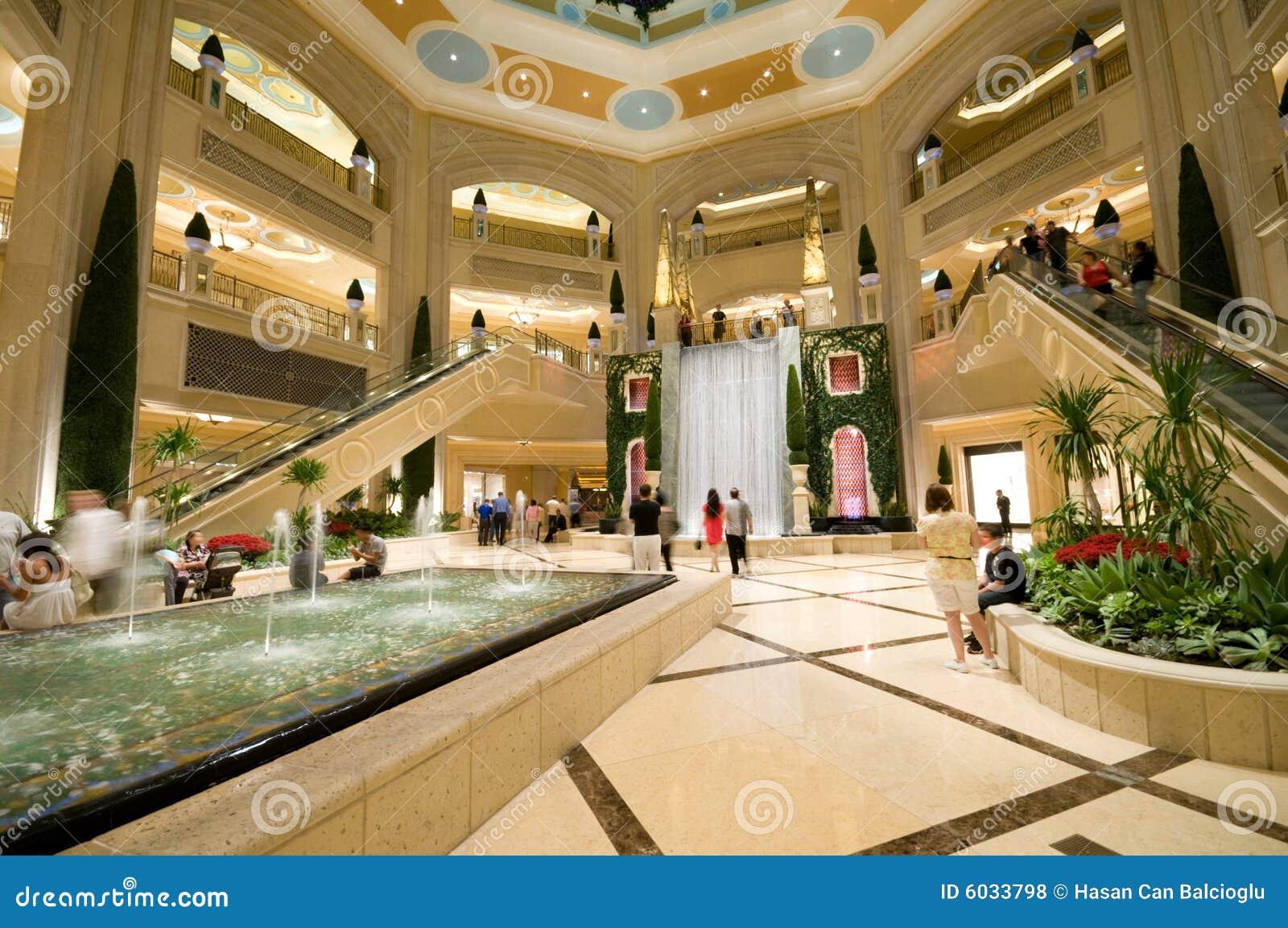Centre commercial luxueux