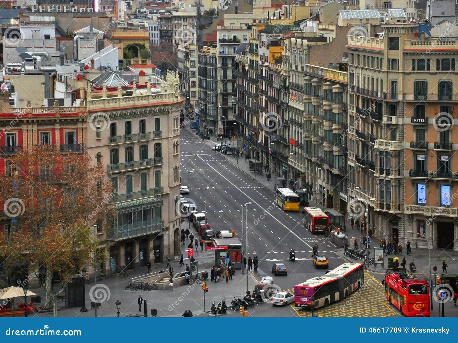 Centre de la ville de barcelone image stock ditorial for Piscine des 3 villes hem