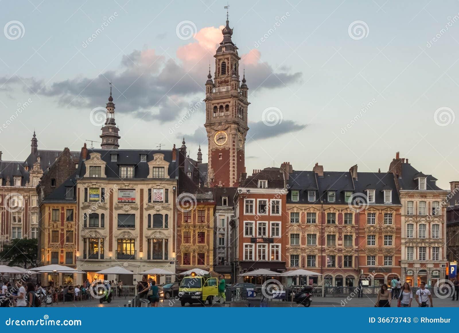 Centre de la ville historique de lille au coucher du - Heure coucher soleil lille ...