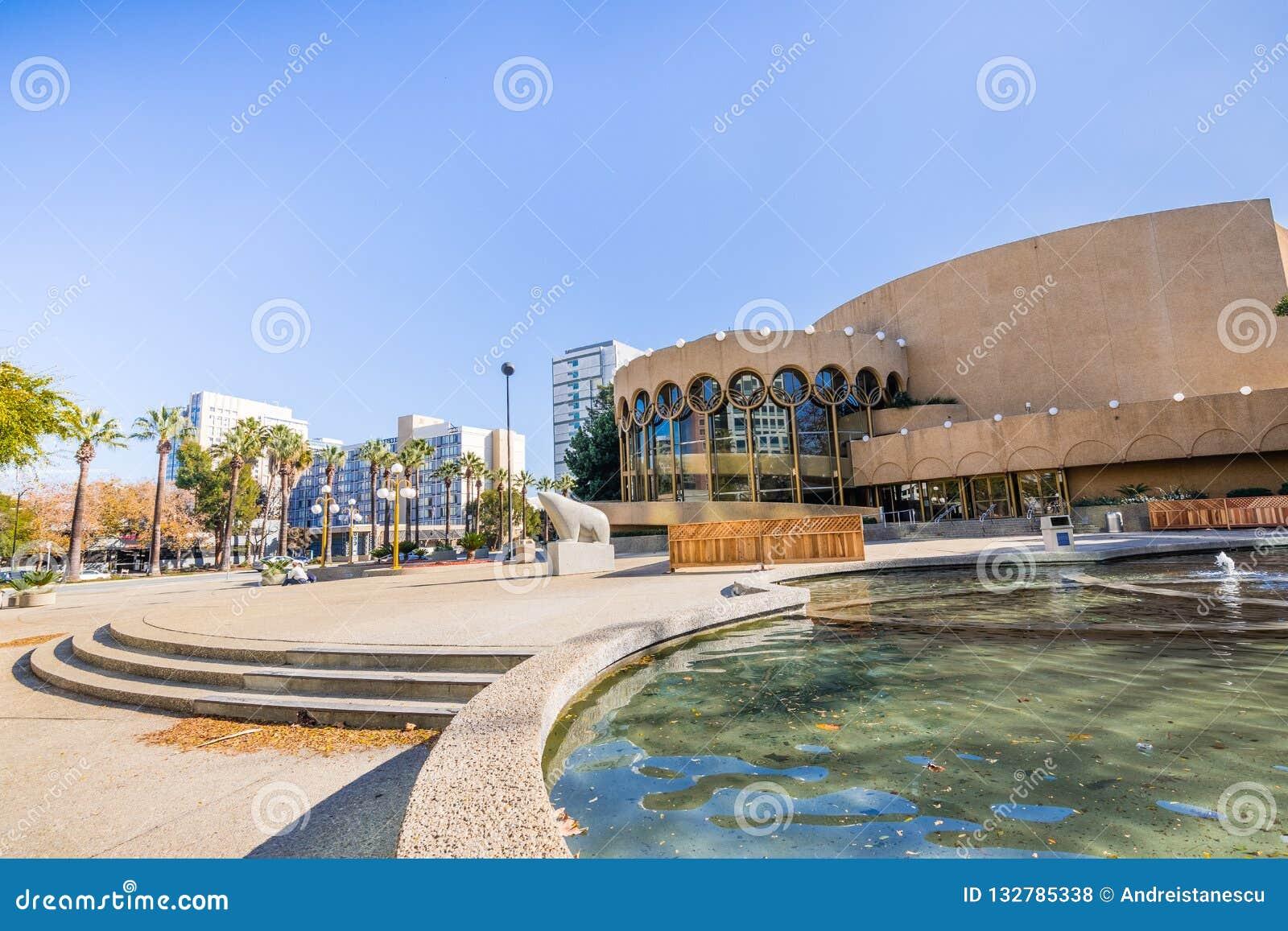 Centre pour le lieu de rendez-vous d arts du spectacle dans San José du centre, silicique