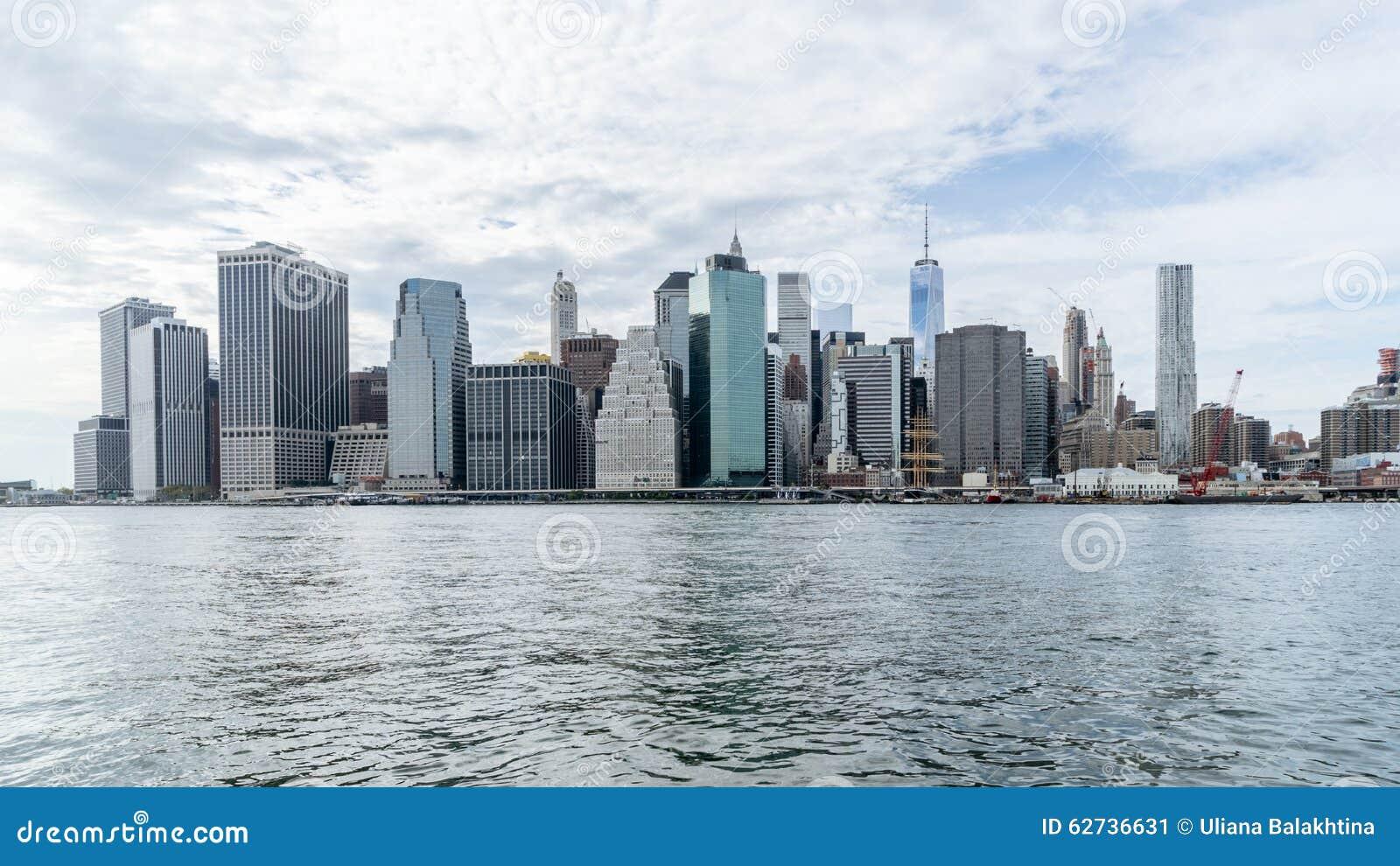 Centro de la ciudad de nueva york sobre el r o hudson imagen de archivo imagen 62736631 - Apartamentos en nueva york centro ...