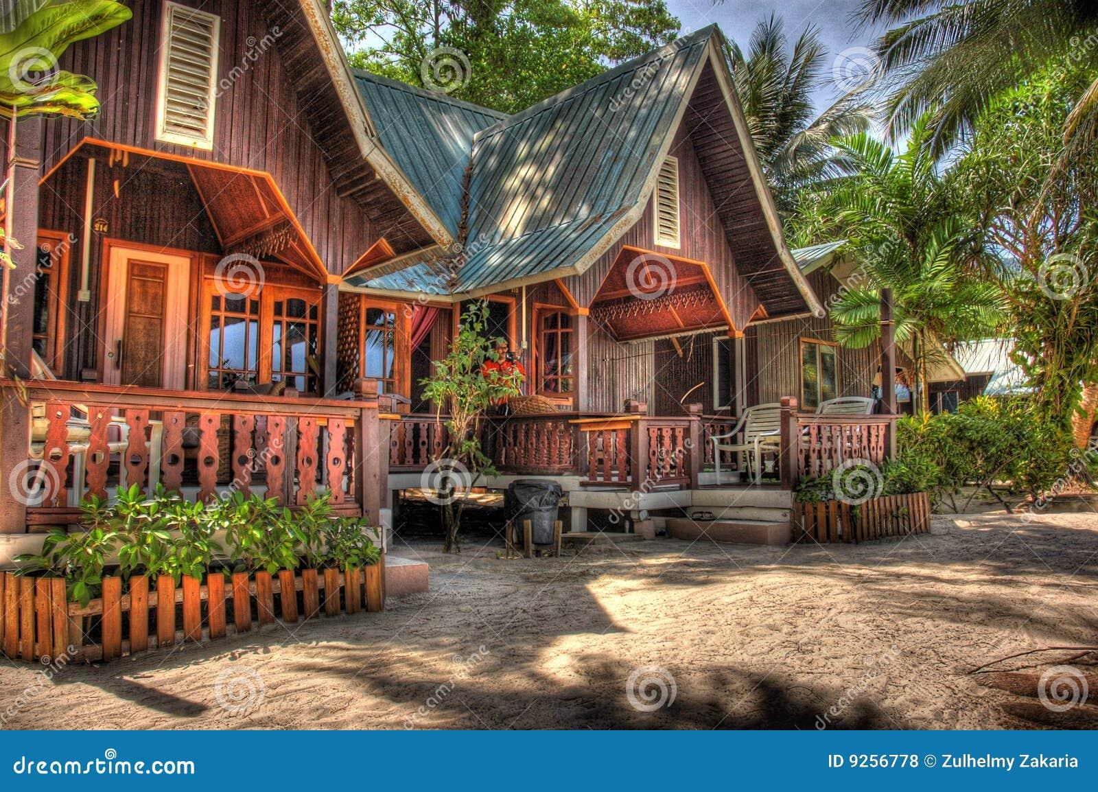 Centro turístico de madera de la casa