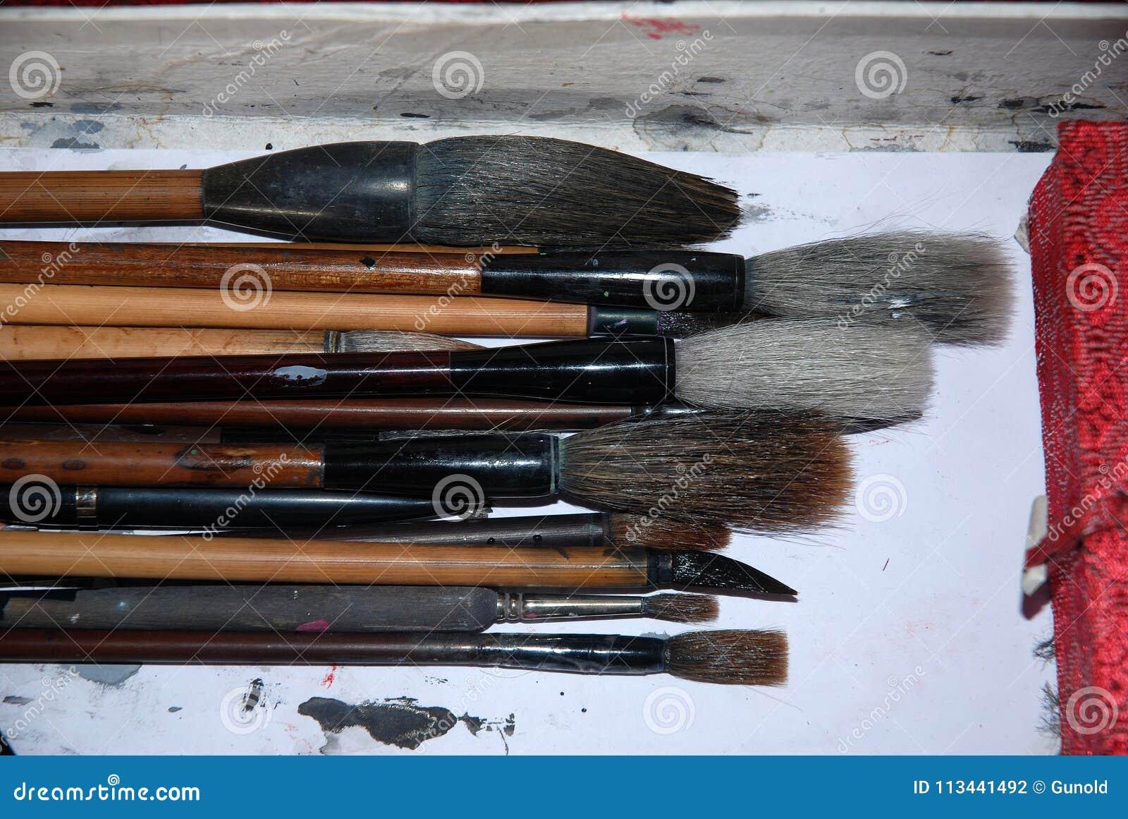 Cepillos del chino para la caligrafía y la escritura
