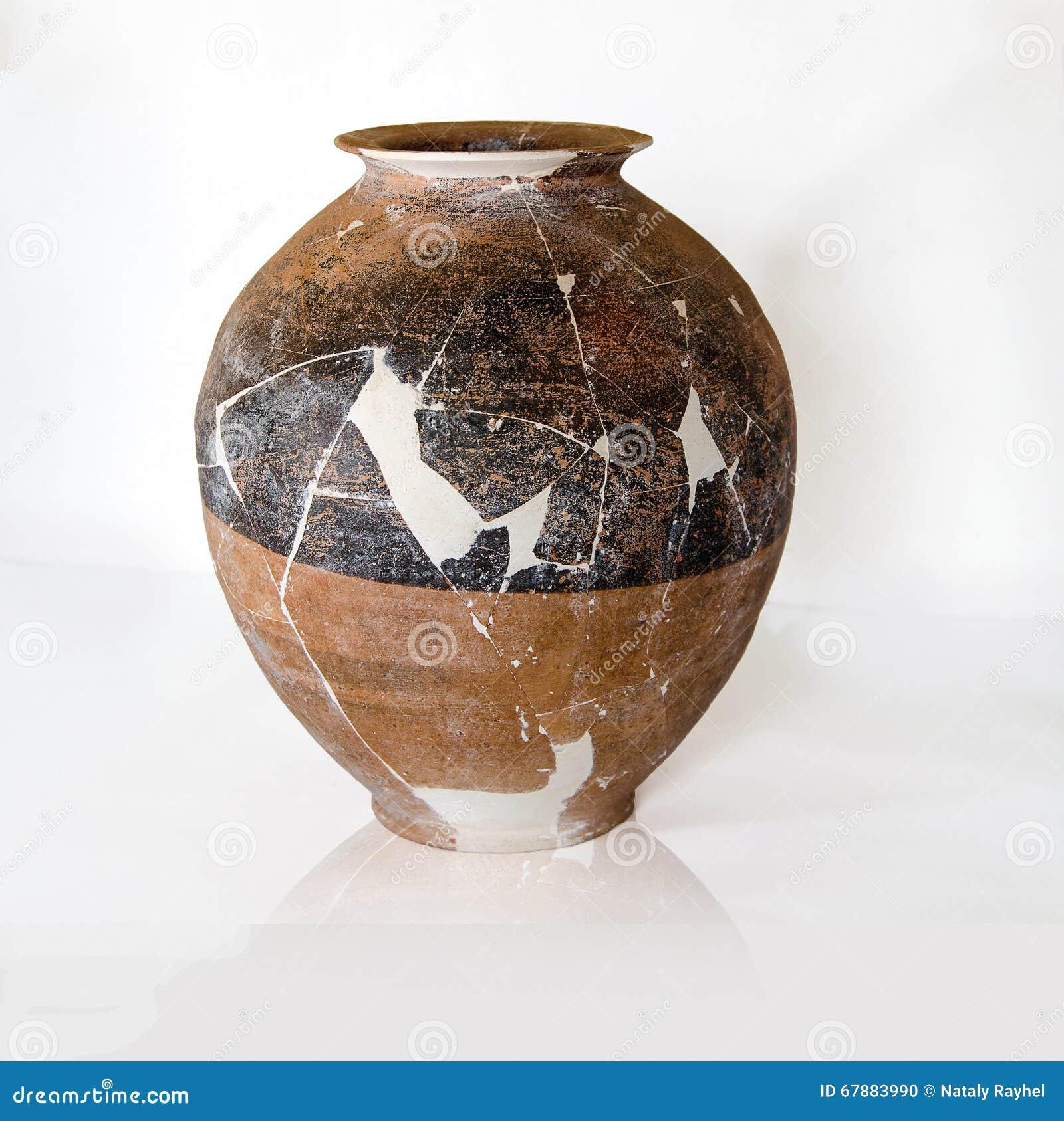 Cerámica antigua destruida
