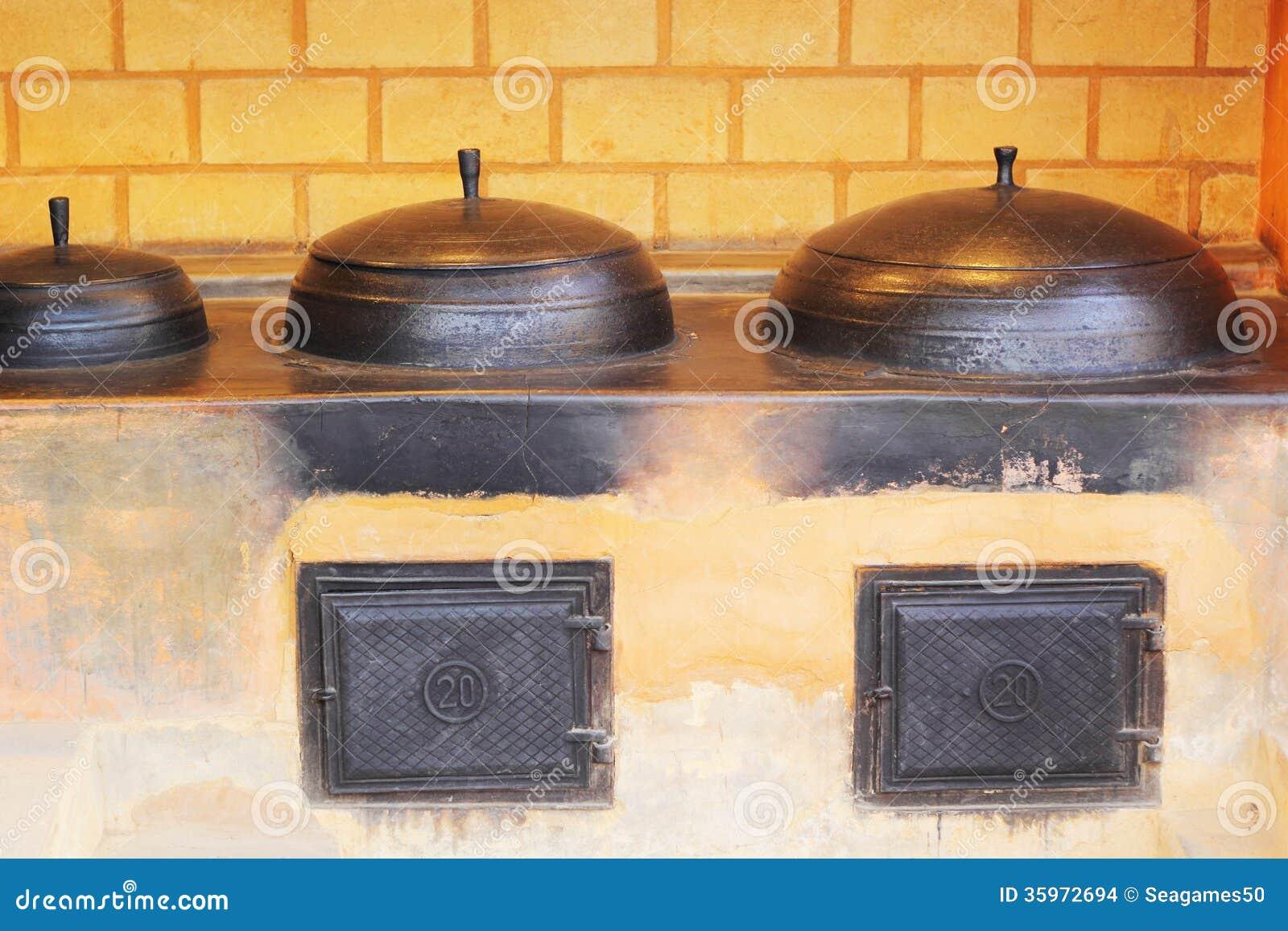 Cerámica de cerámica coreana tradicional para cocinar.