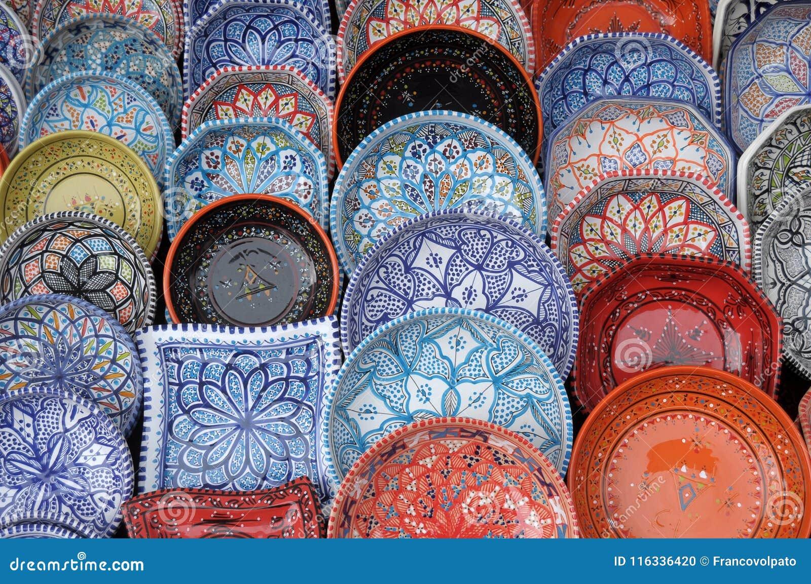 Cerâmica de Maghreb na exposição no país de Iseo justo - Lombardy