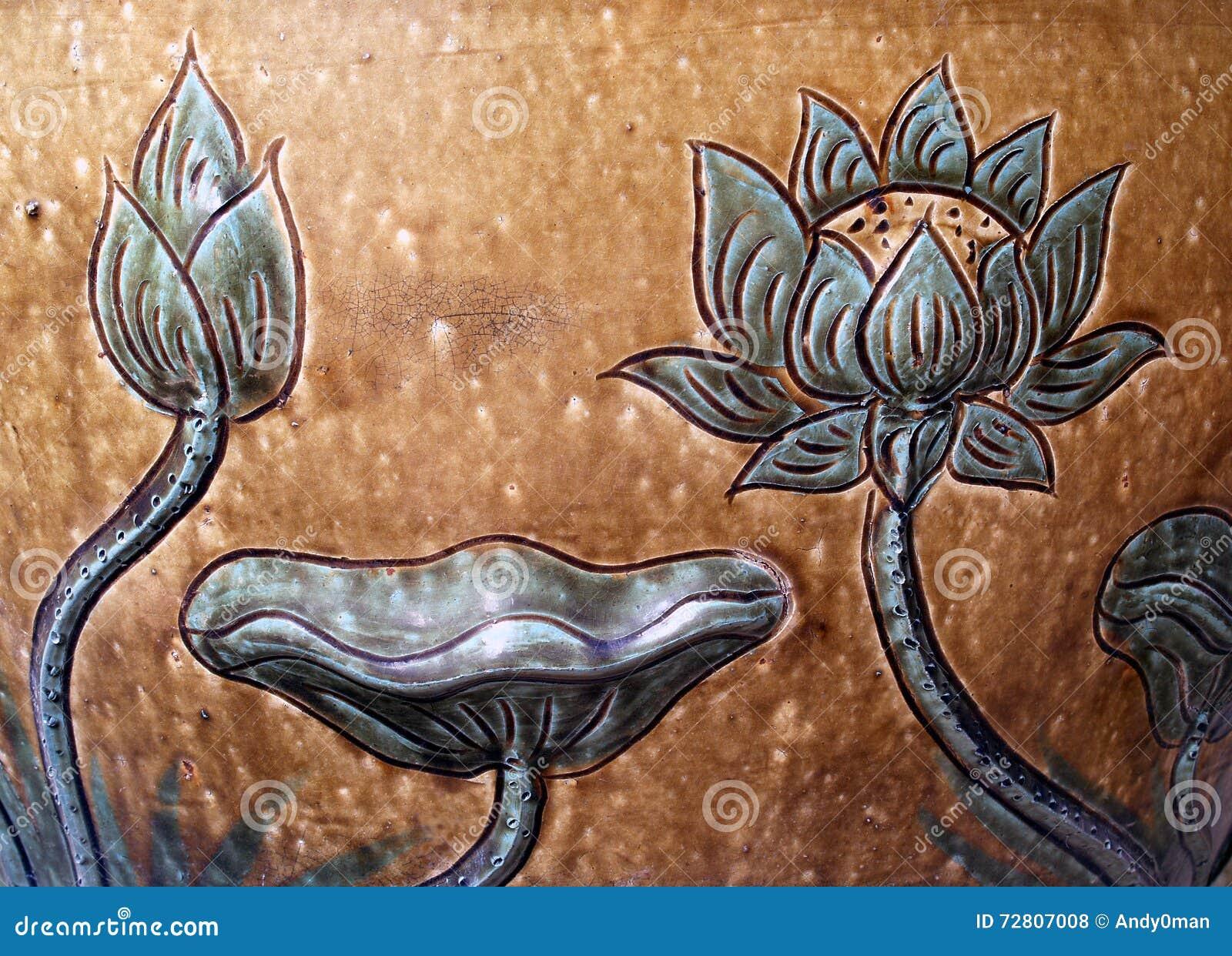 A cerâmica Lotus do baixo relevo deu forma