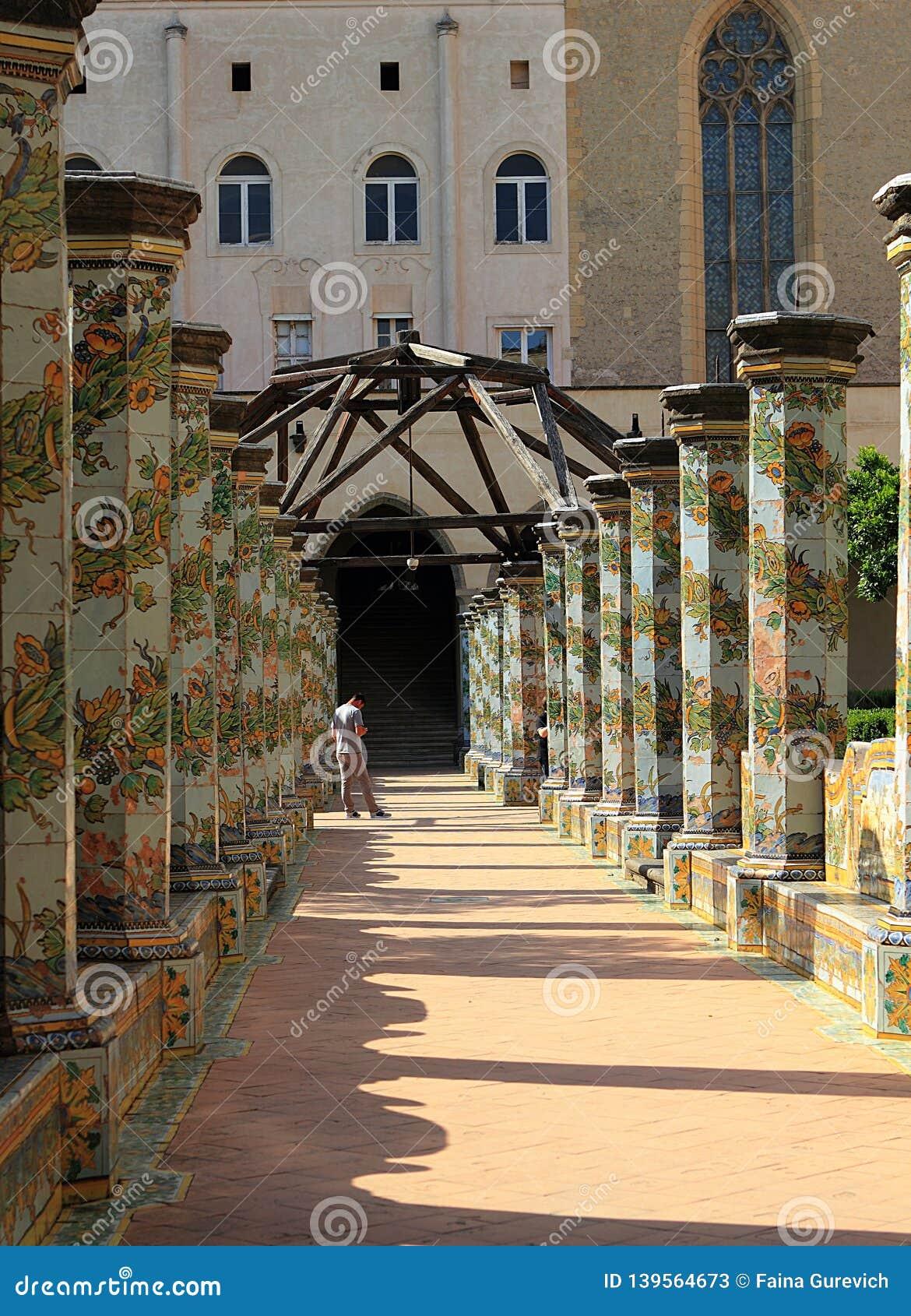 The ceramic decorations of the Santa Chiara Monastery cloister