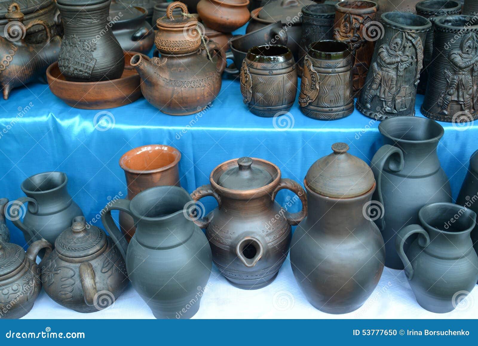Ceramiczny artykuły handwork przy jarmarkiem krajowa twórczość