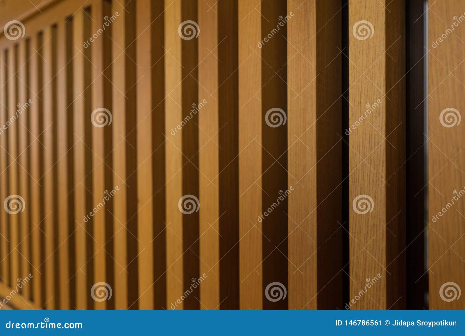 Cerca de madeira do balcão